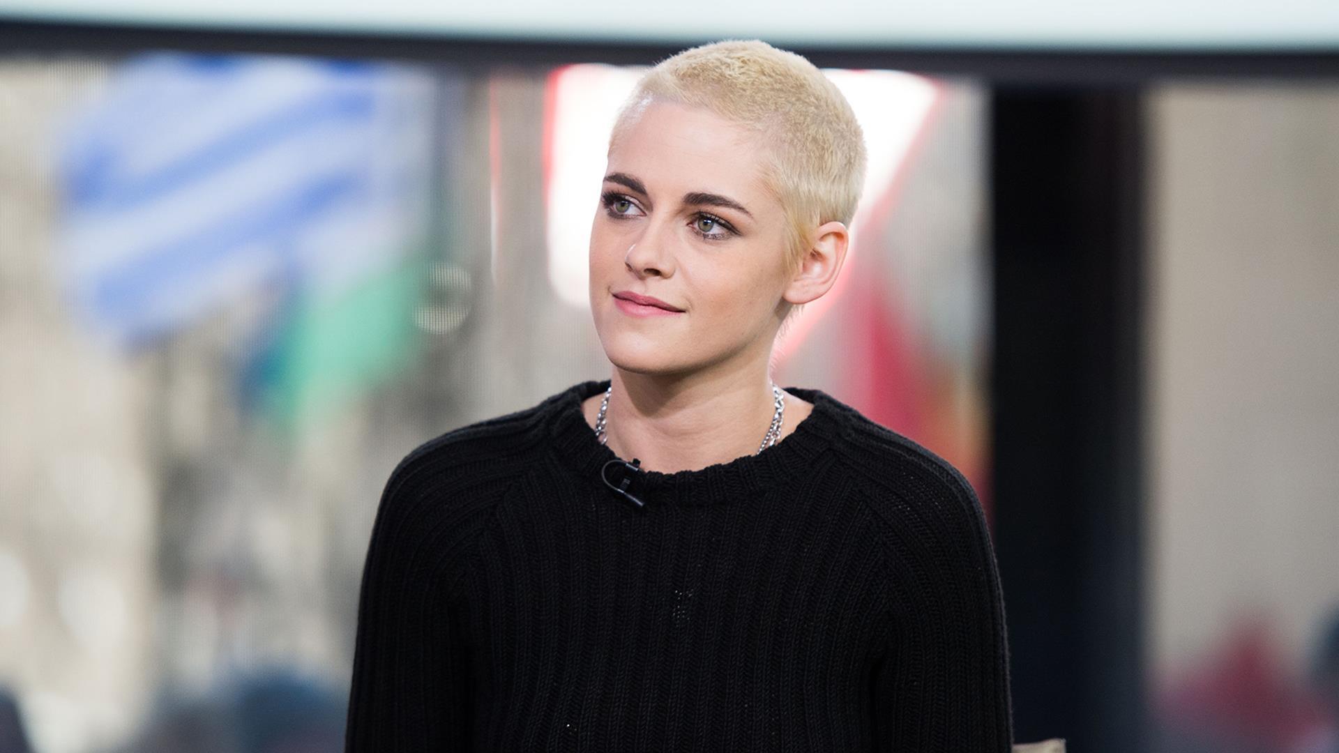 kristen stewart on new film  u2018personal shopper u2019 and why she cut off her hair