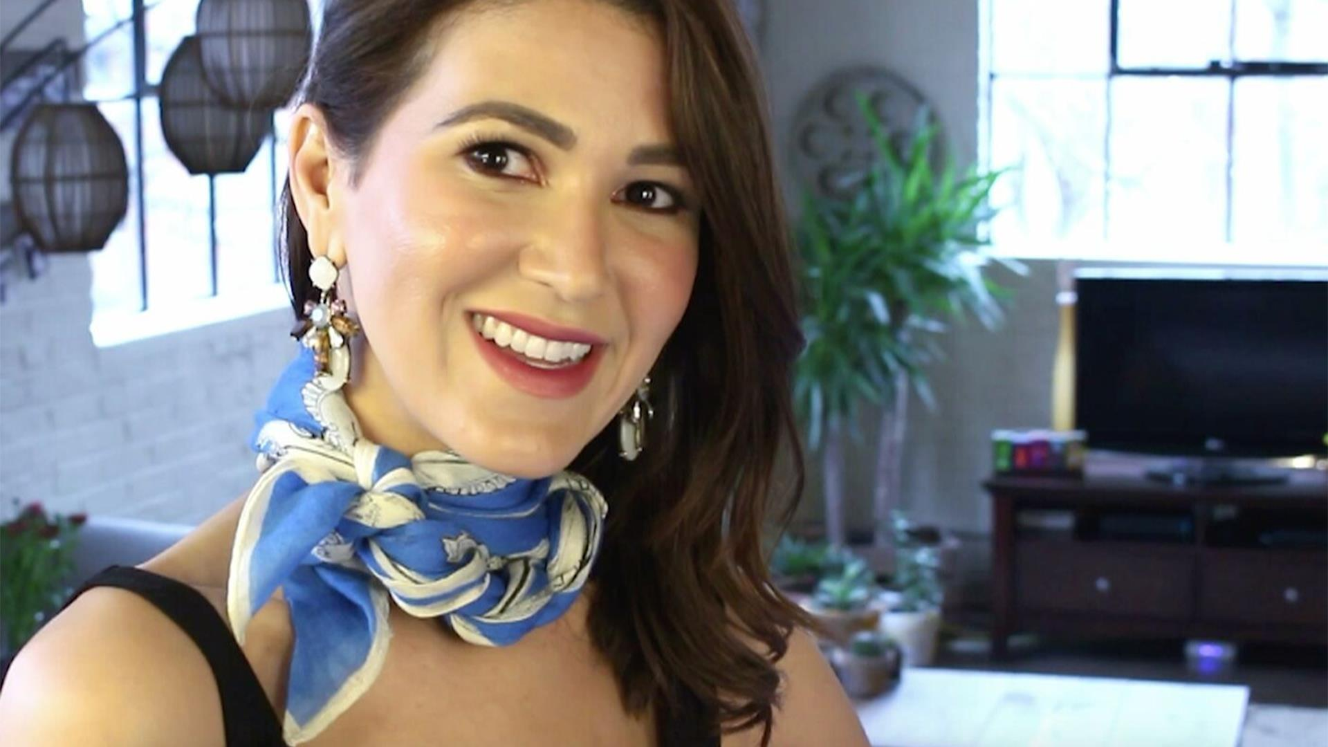 74b181ca26e4c1 How to tie a silk scarf like a pro