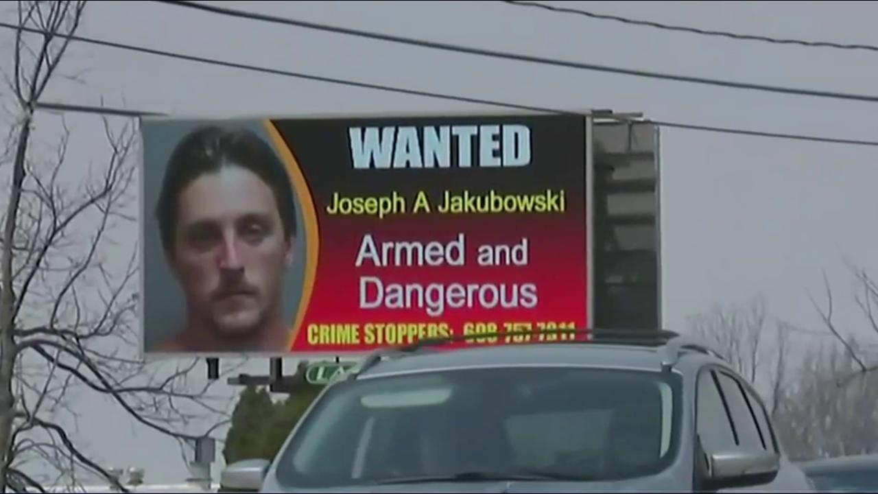 Wisconsin Manhunt: Former FBI Official Says Manifesto-Writer Is Likely 'Ticking Time Bomb'