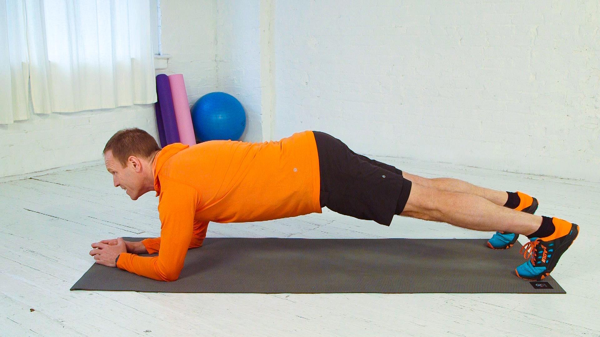 tập plank không đúng cách