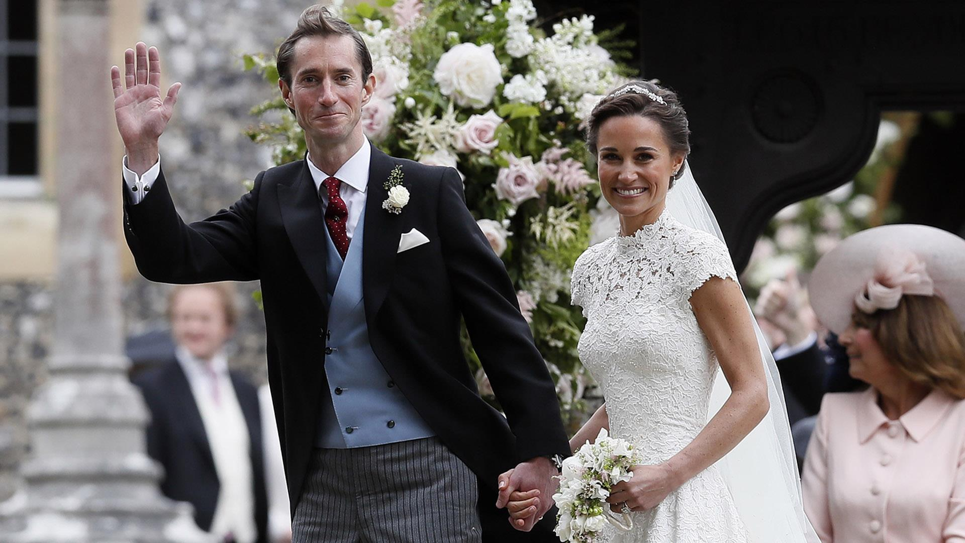 Pippa middleton gets married in fairy tale wedding today junglespirit Gallery