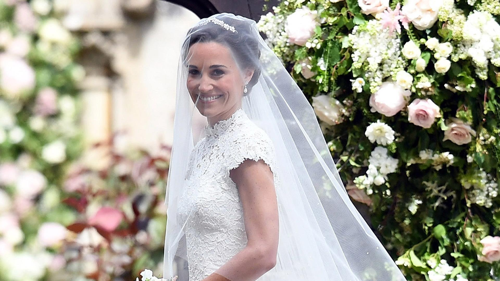 Pippa middleton wedding see what bride and sister kate for Pippa middleton wedding dress