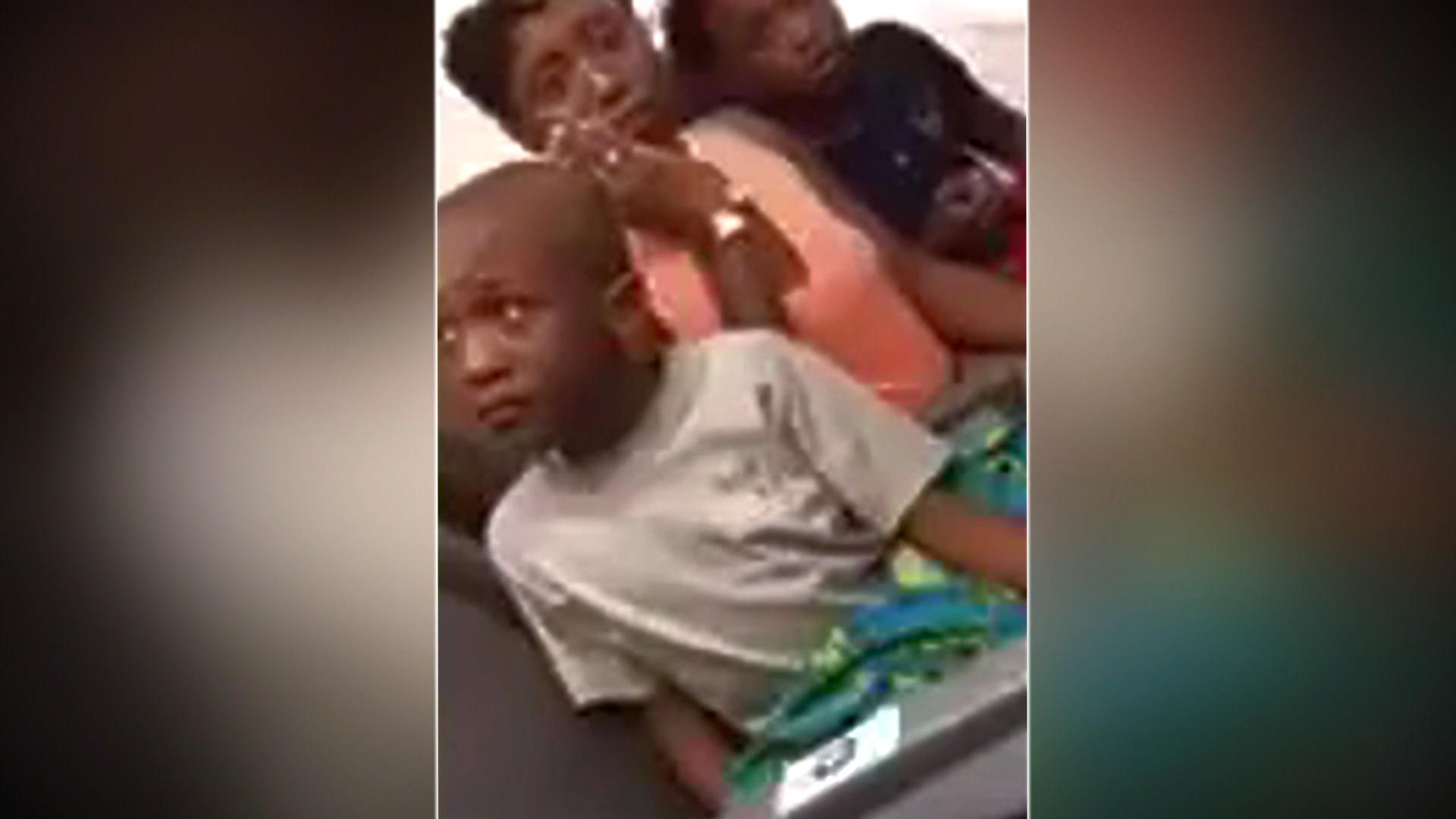 Family Kicked Off Plane Birthday Cake