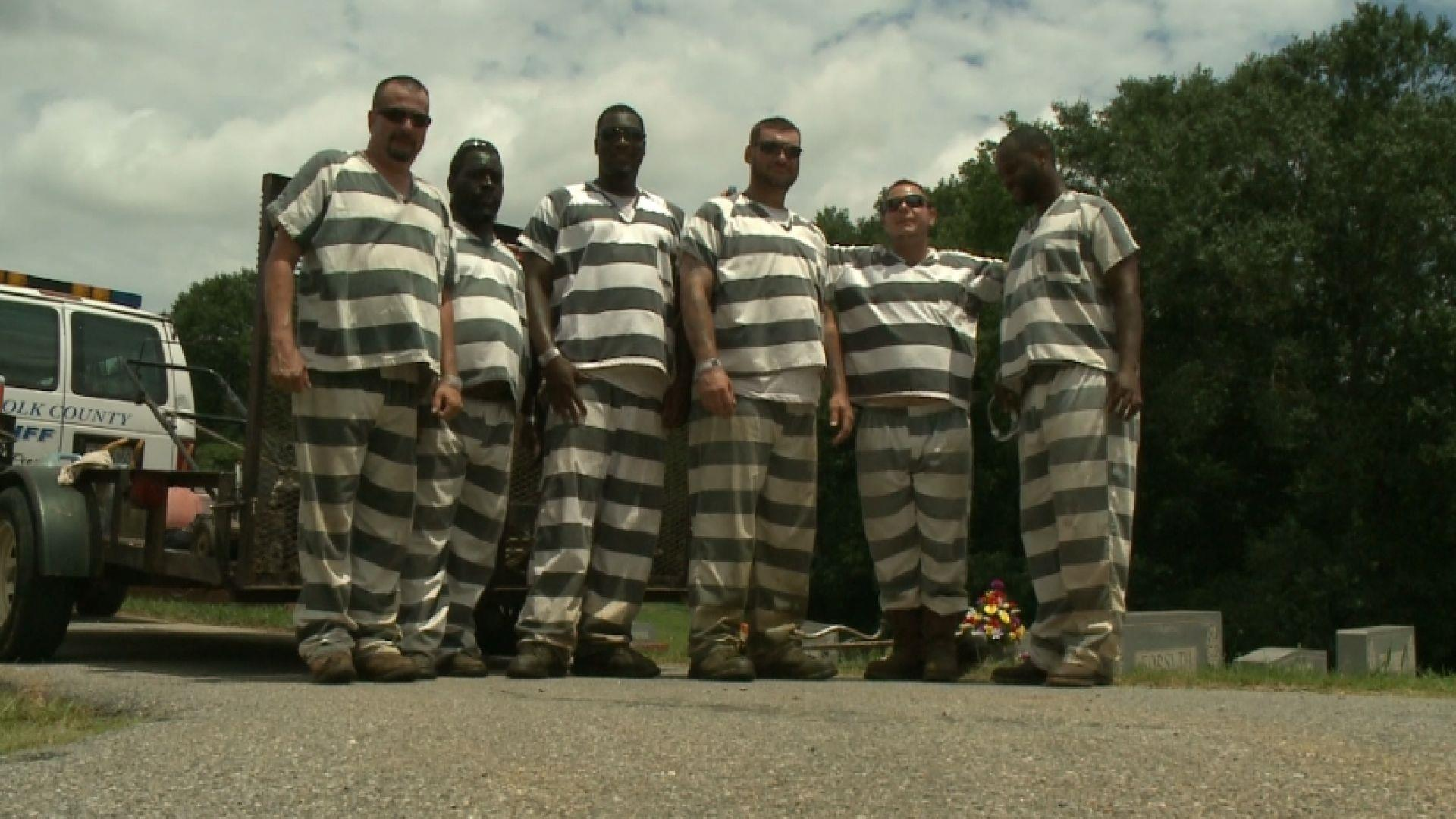 Inmates Who Saved Guard Who Collapsed Get Reduced Sentences