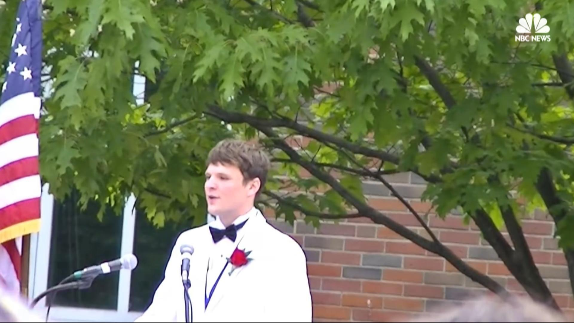 """high school valedictory speech 2012 2013 This is the time of year where 18-year-olds sit through long lectures delivered by school board presidents and the like officially, it's """"high school graduation"""" unofficially, it's """"death by boredom."""
