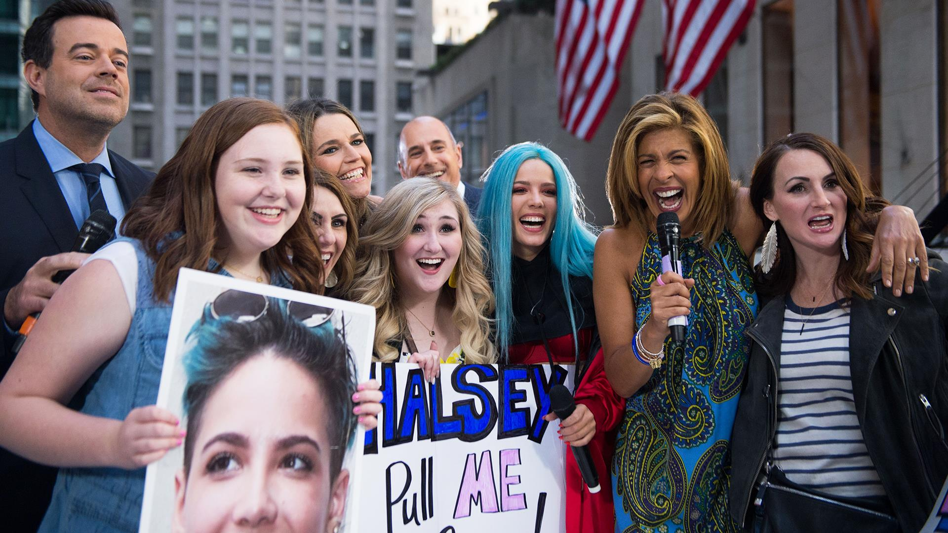 Watch Hoda Kotb Bring Excited Halsey Fans Onstage To Meet