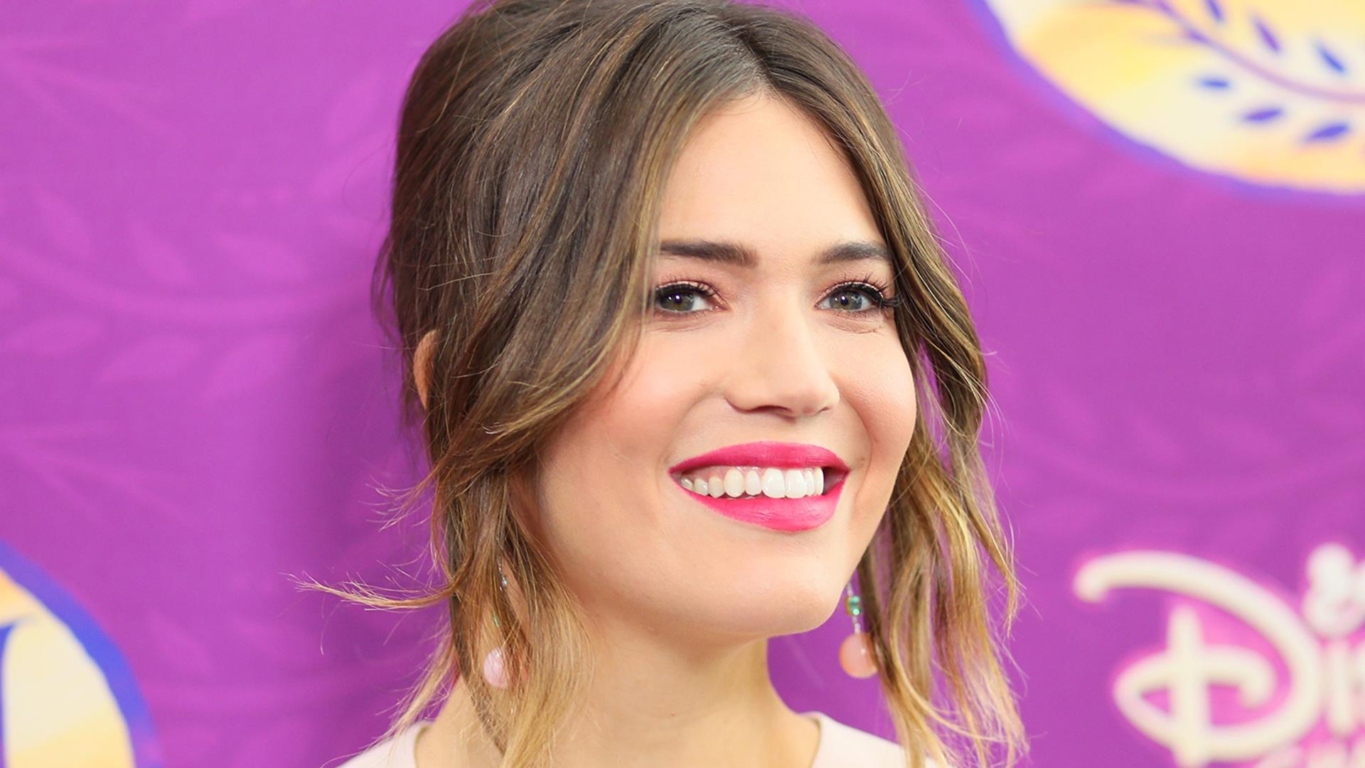mandy moore shares the secrets to her upbeat attitude, gives advice