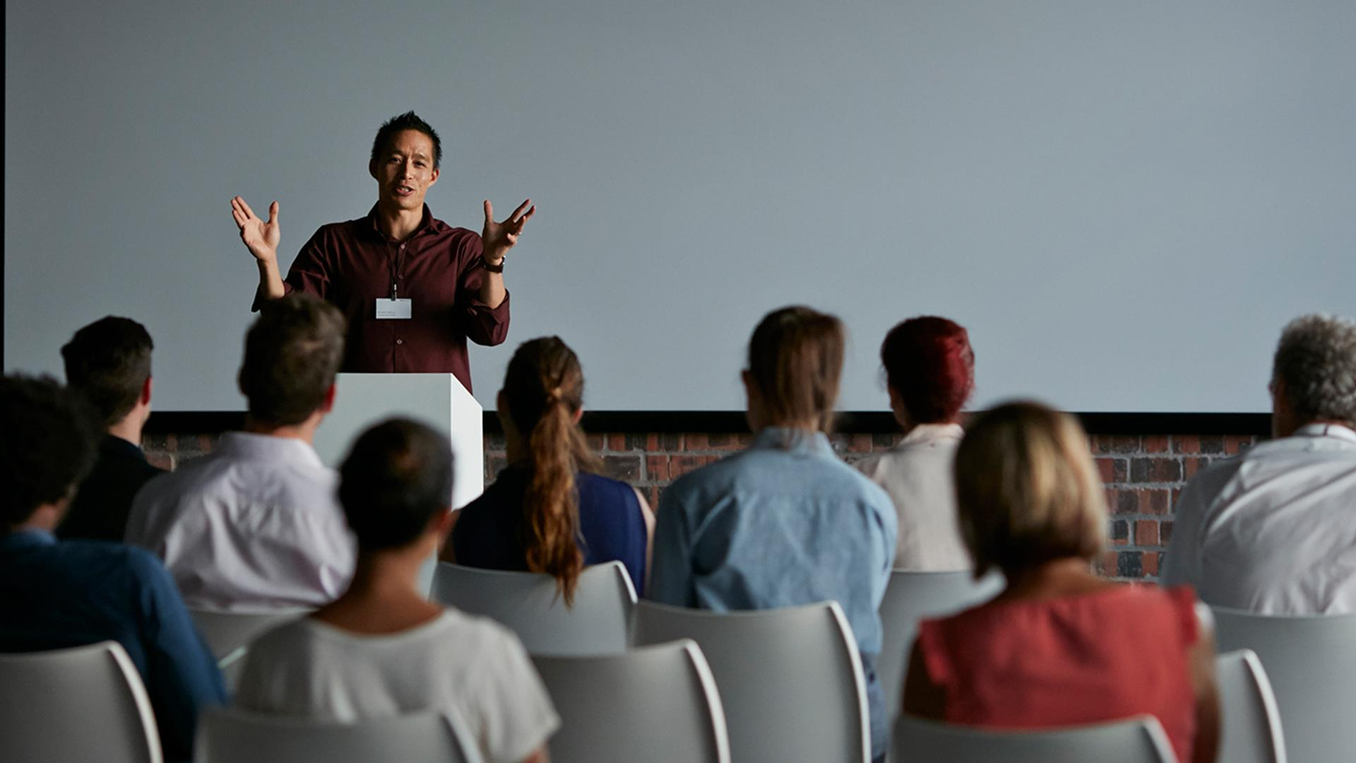 how to become an effective public speaker