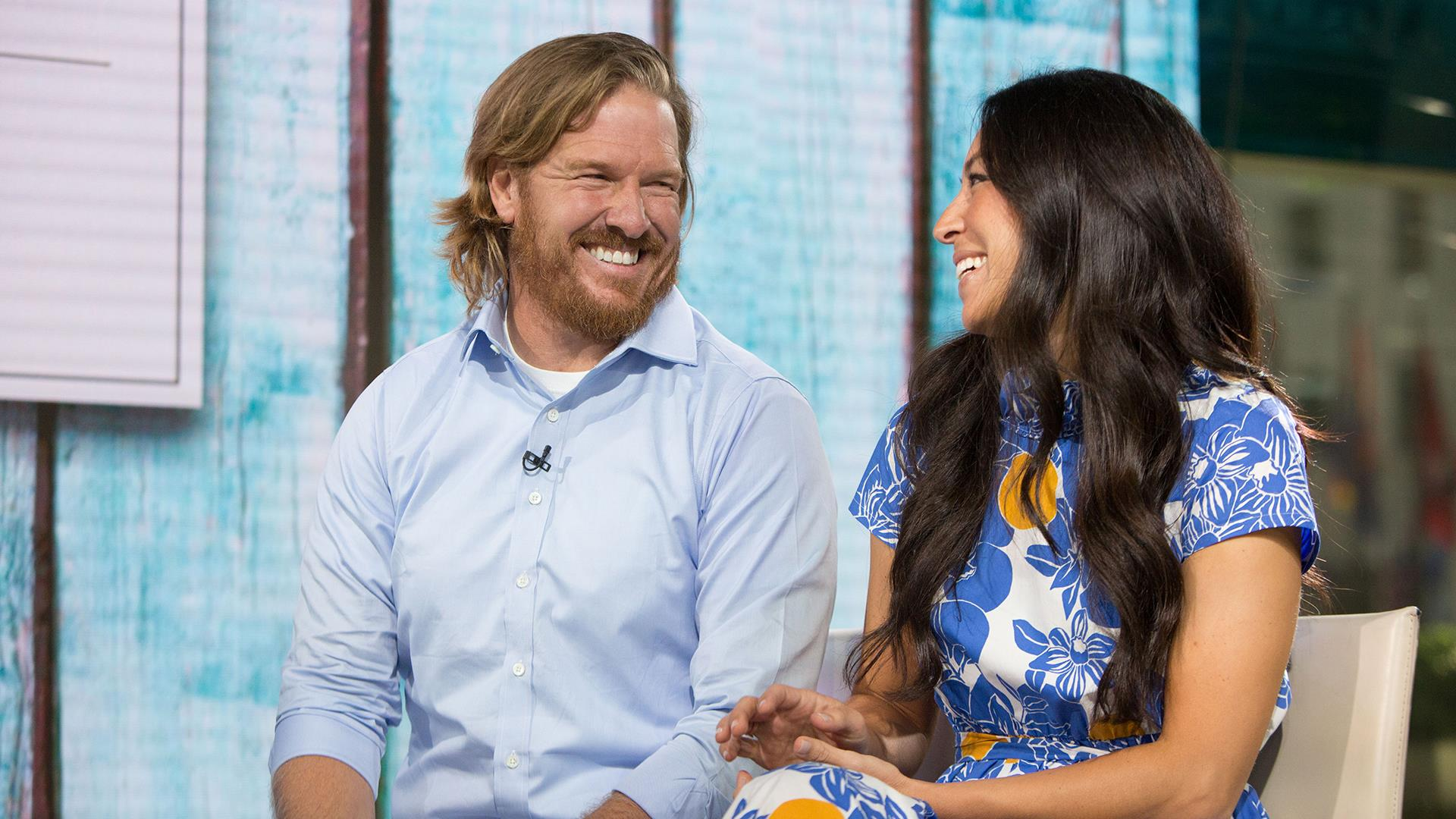 chip and joanna gaines reveal the cover of chip s new book live on today. Black Bedroom Furniture Sets. Home Design Ideas