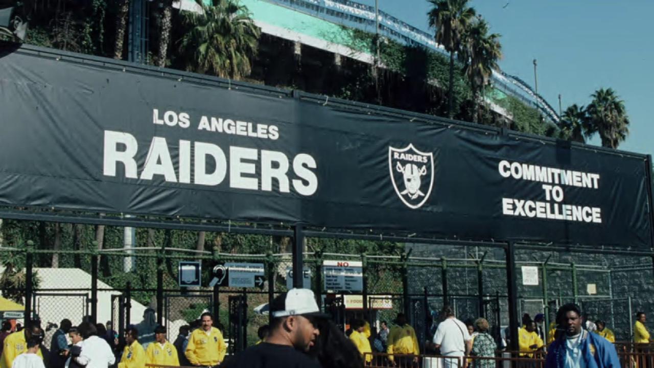 NFL contemplates return to LA