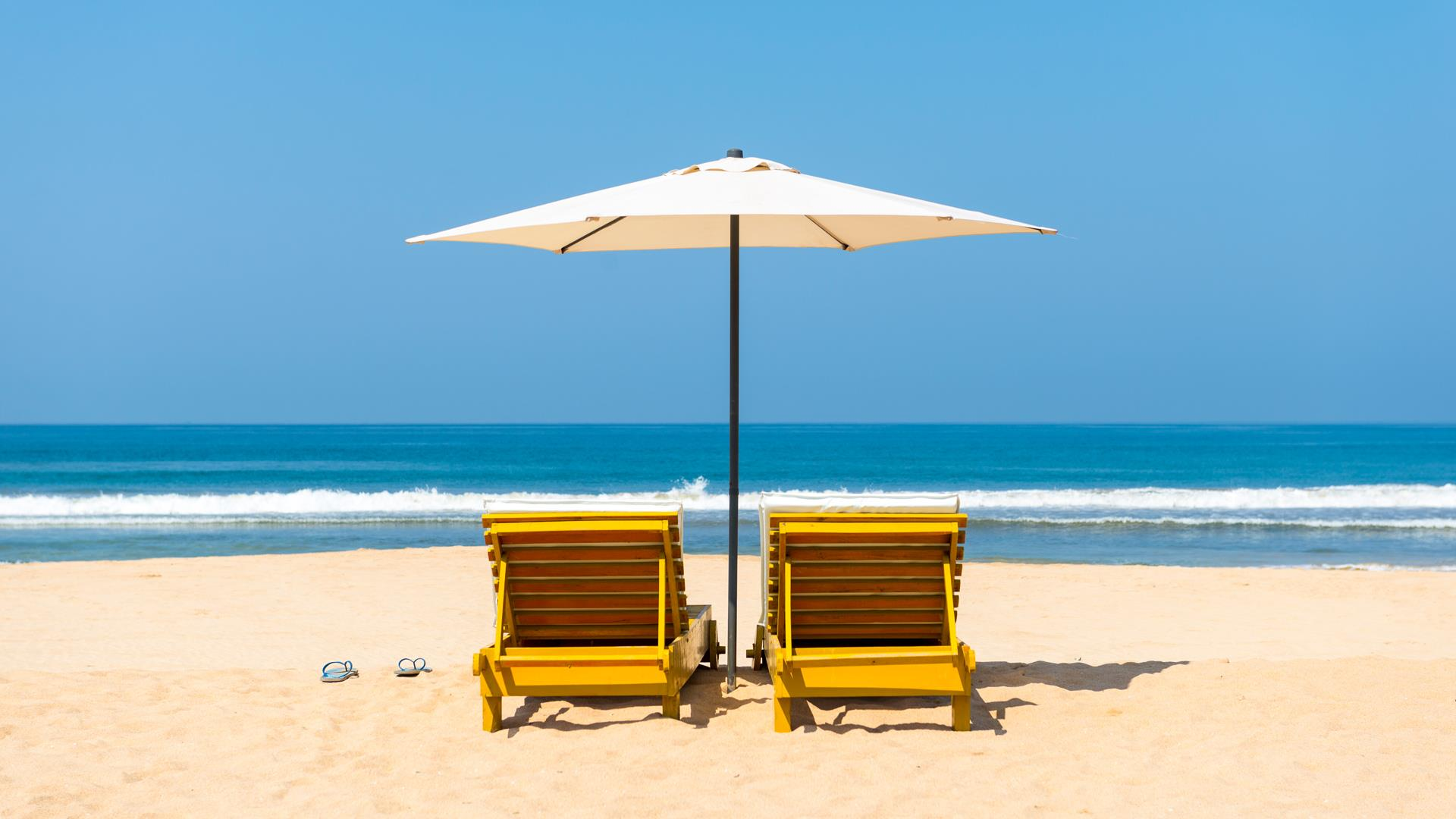 hispanic single men in silver beach 5 unexpected places to meet great men over 40  we're much more likely to meet that smarmy loser whose exposed silver chest hairs seem  single men over 40.