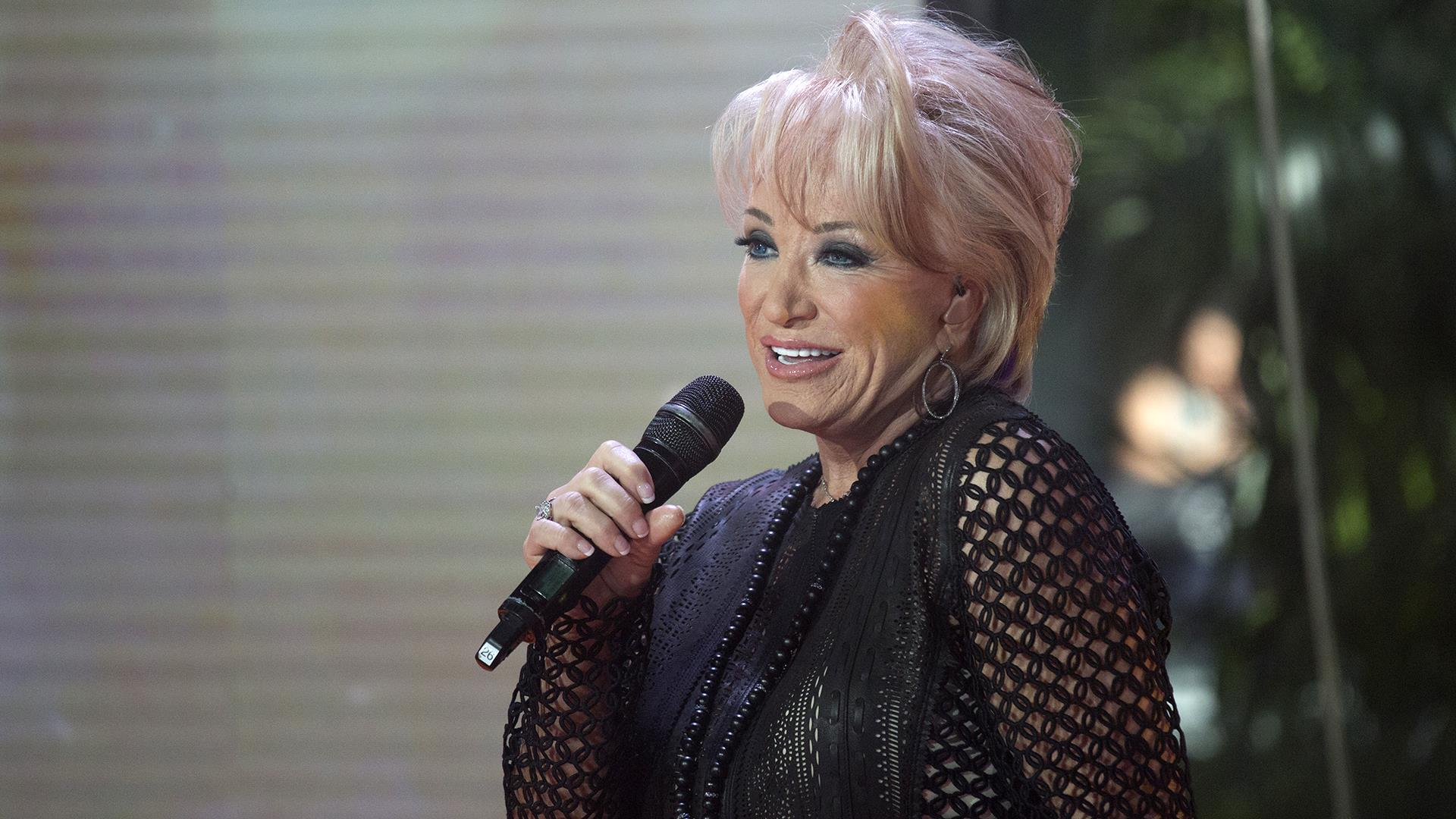 see tanya tucker sing touching tribute to glen campbell live on today