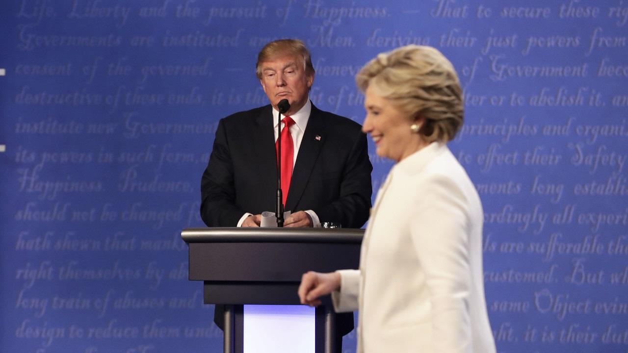 Clinton resurfaces as Trump seeks path...
