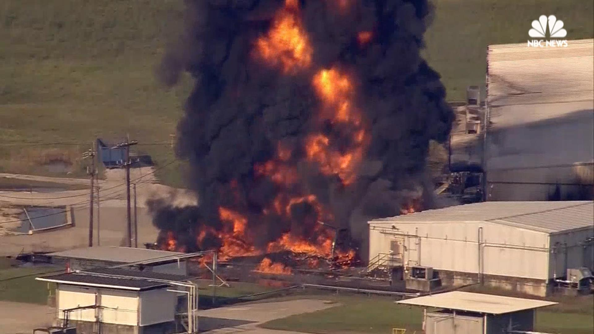 Plant Chemical Components : Flooded texas chemical plant catches fire nbc news