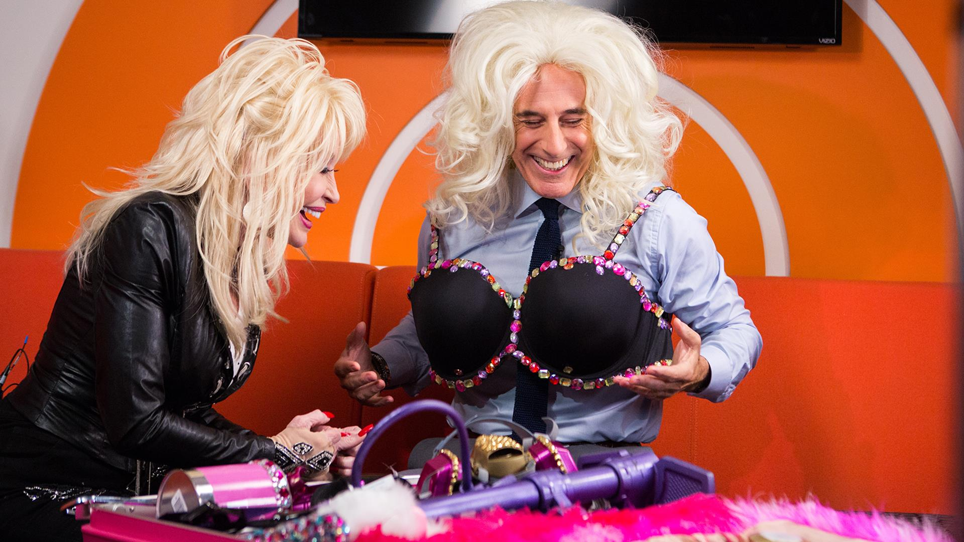 Dolly Parton Teaches Matt Lauer How To Dress As Her For