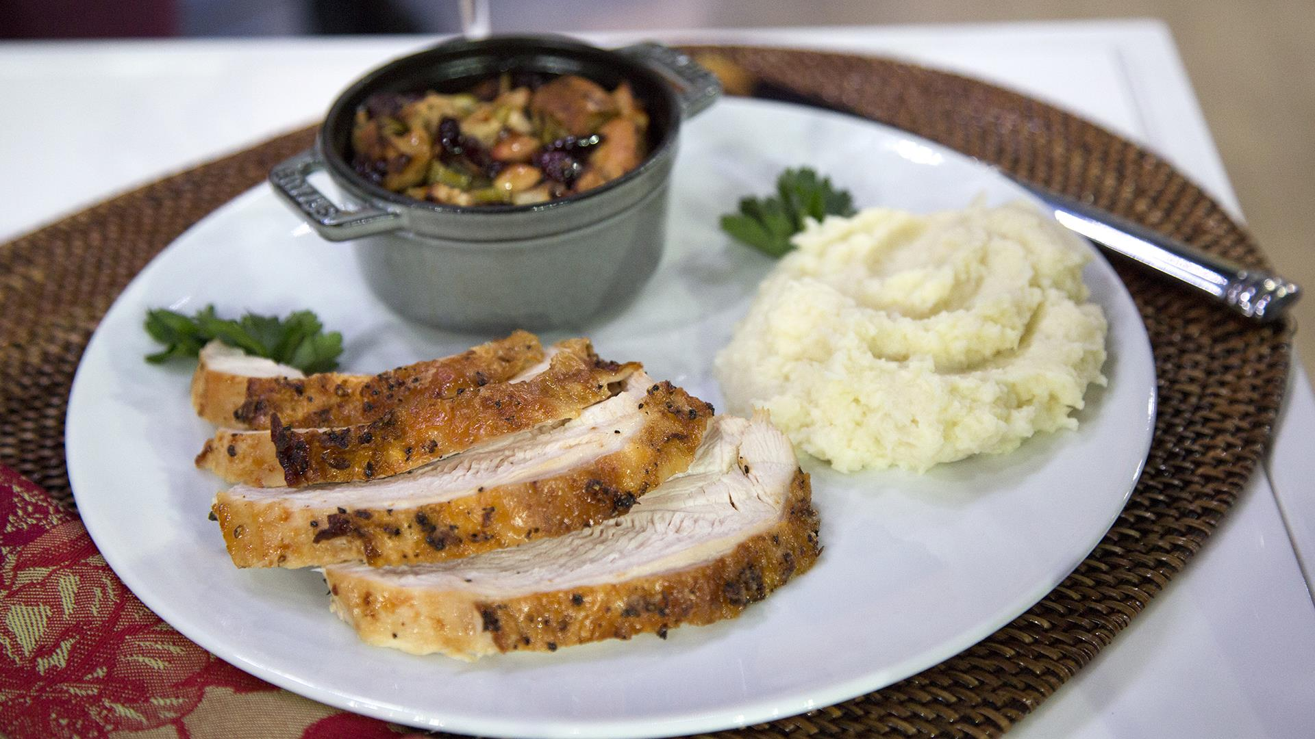 Trim Before Turkey: Healthy Thanksgiving plates, 30-second squat challenge