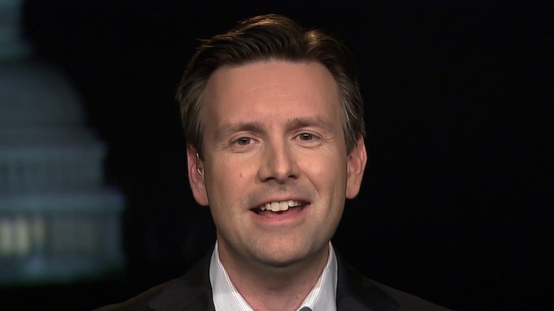 "Josh Earnest: GOP is ""desperate"" to undermine Mueller"