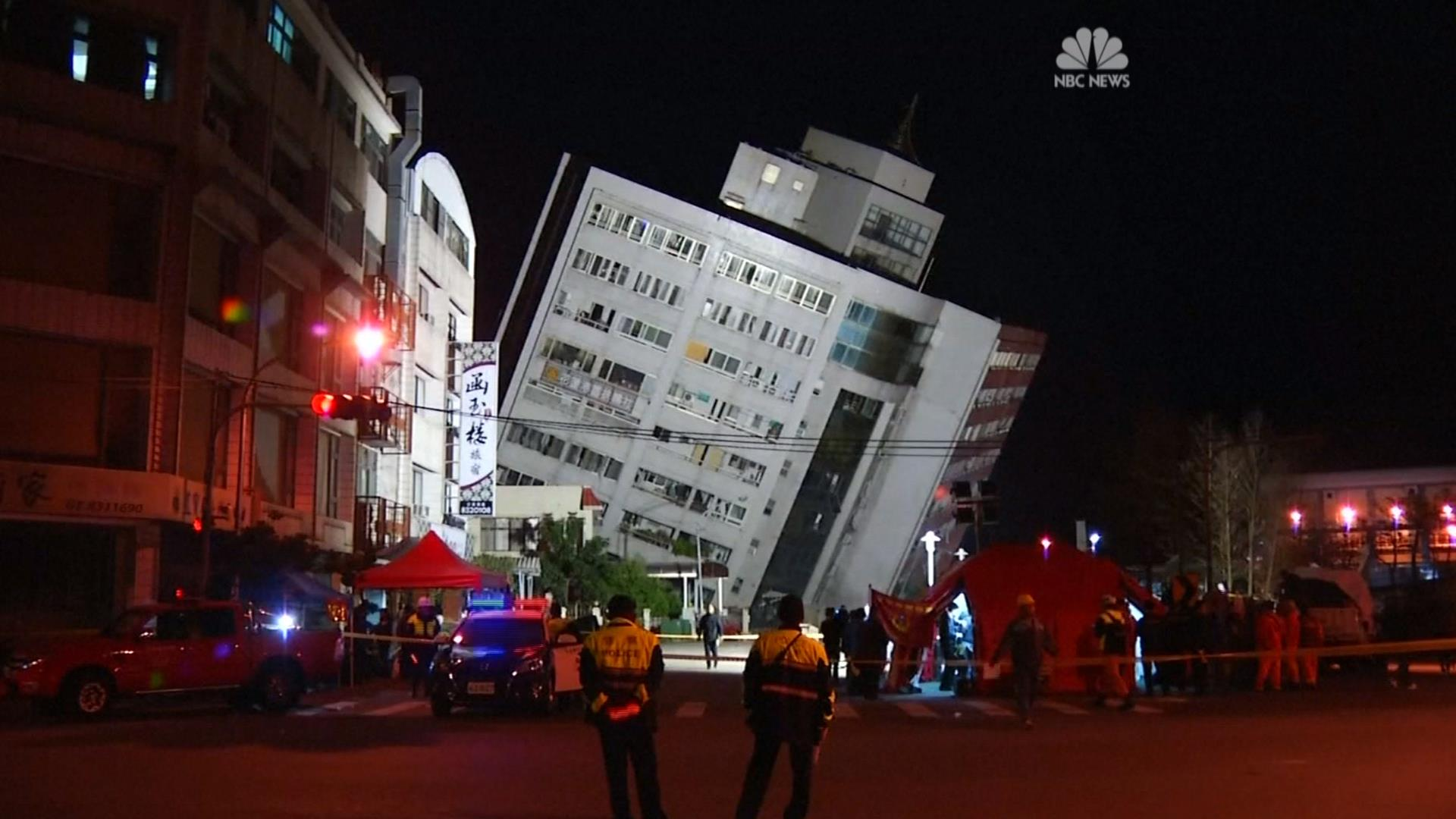 Taiwan earthquake causes building collapse