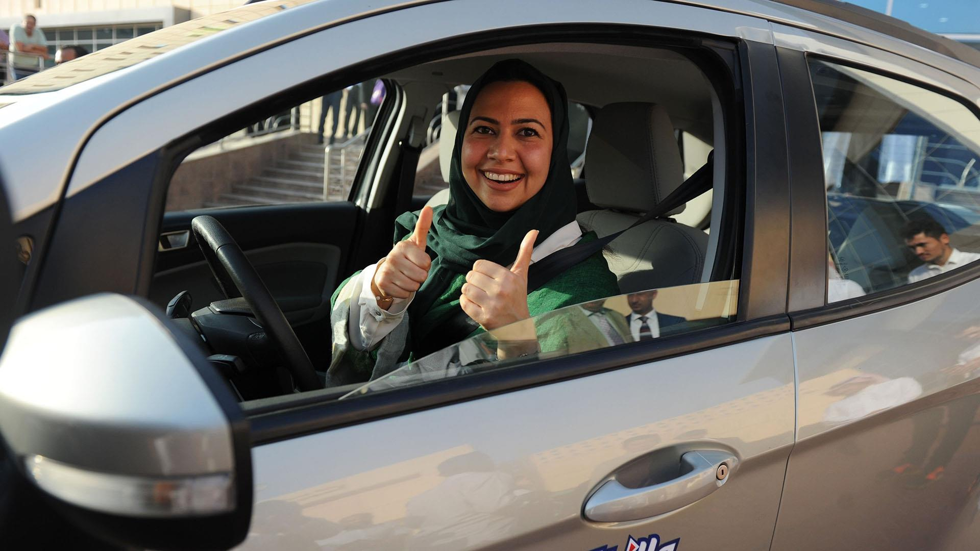 Women in Saudi Arabia will be allowed to drive cars from June 2018