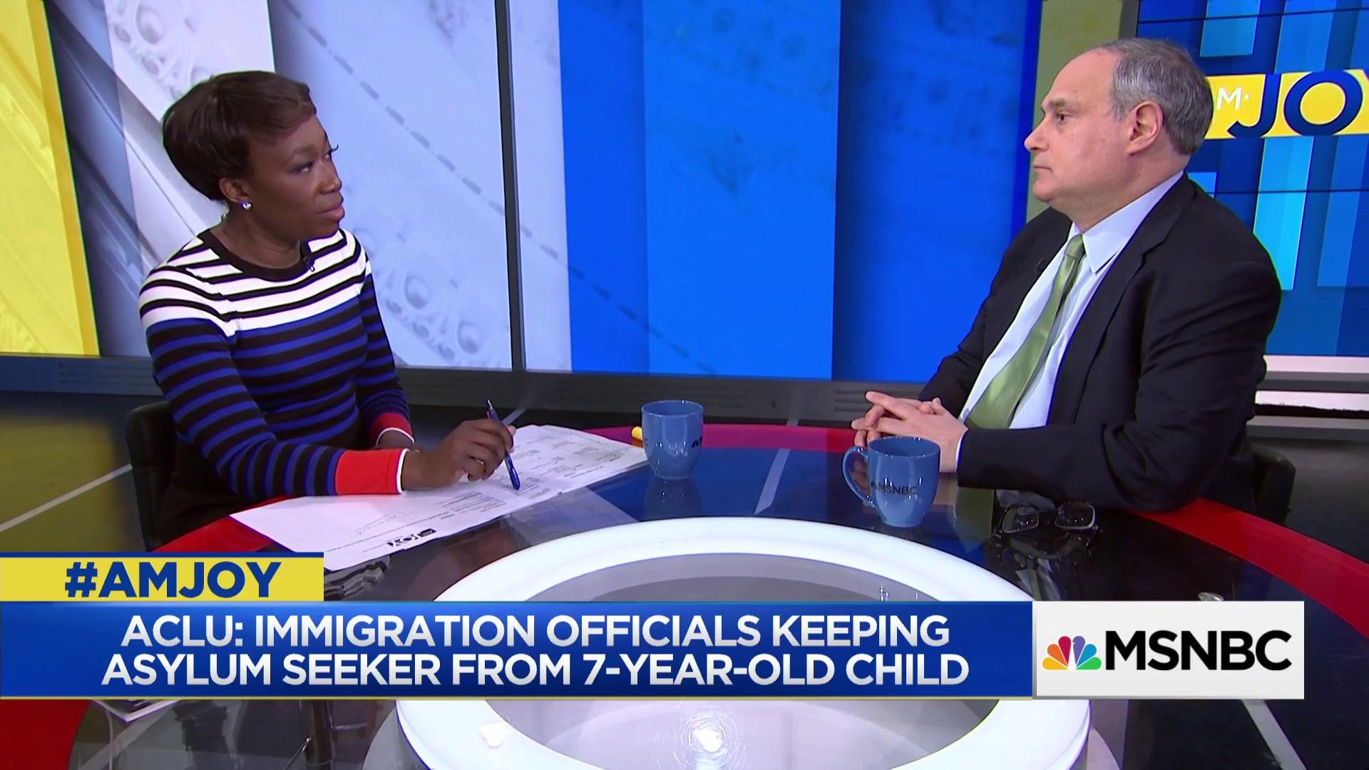 ACLU: Immigration officials split asylum seeker and child