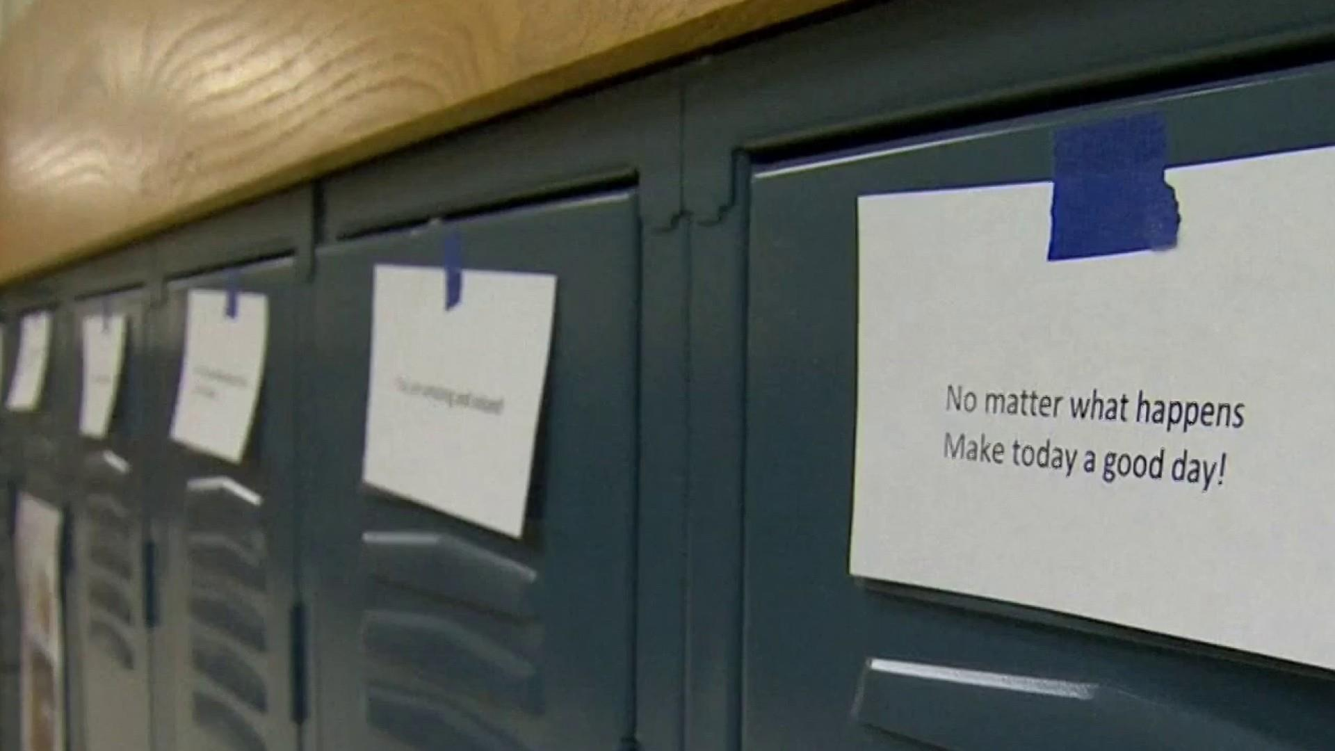#GoodNewsRuhles: High school students in Indiana post kindness messages