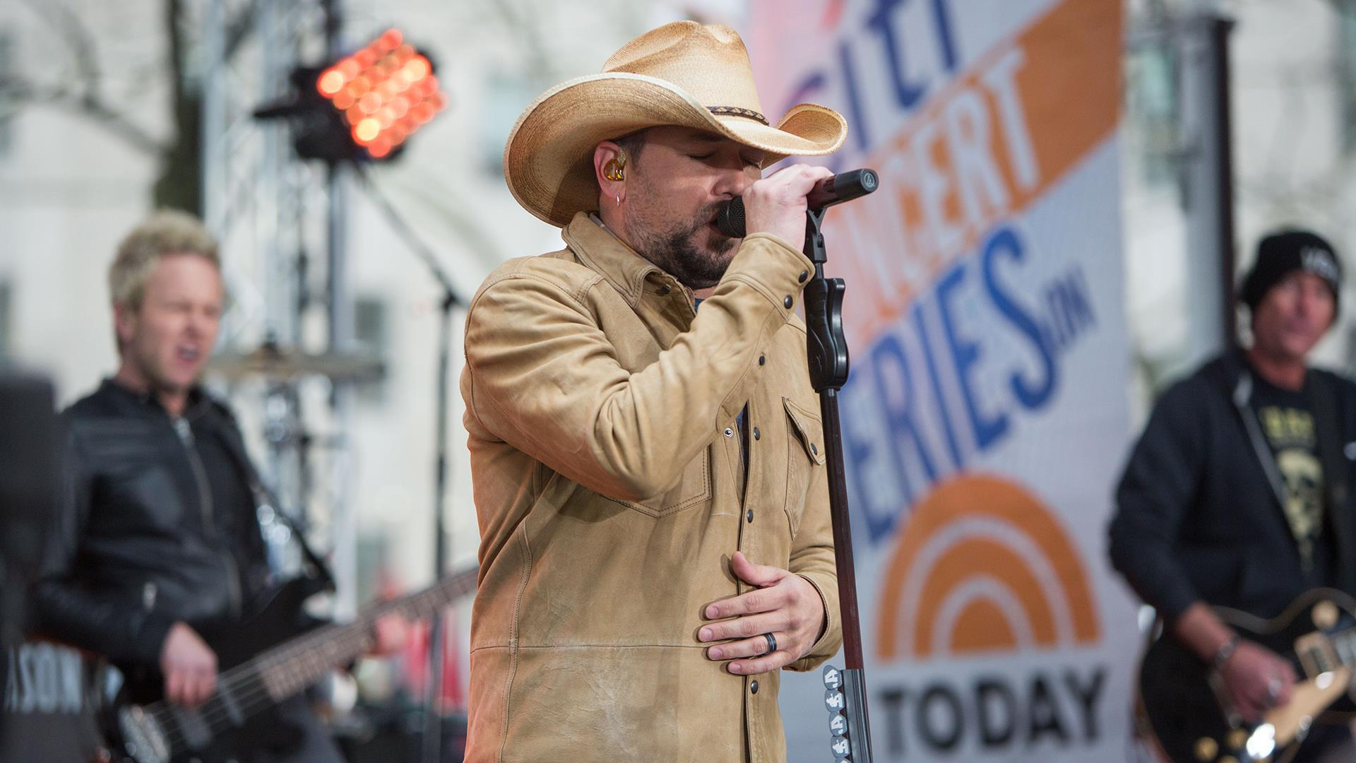 Watch Jason Aldean Perform Rearview Town On The Today Plaza