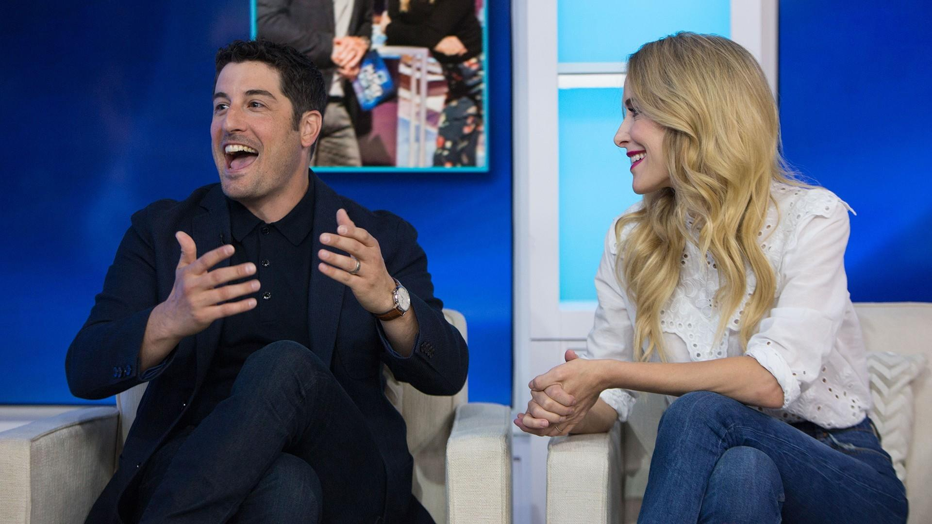 jason biggs and jenny mollen talk about game show my partner knows