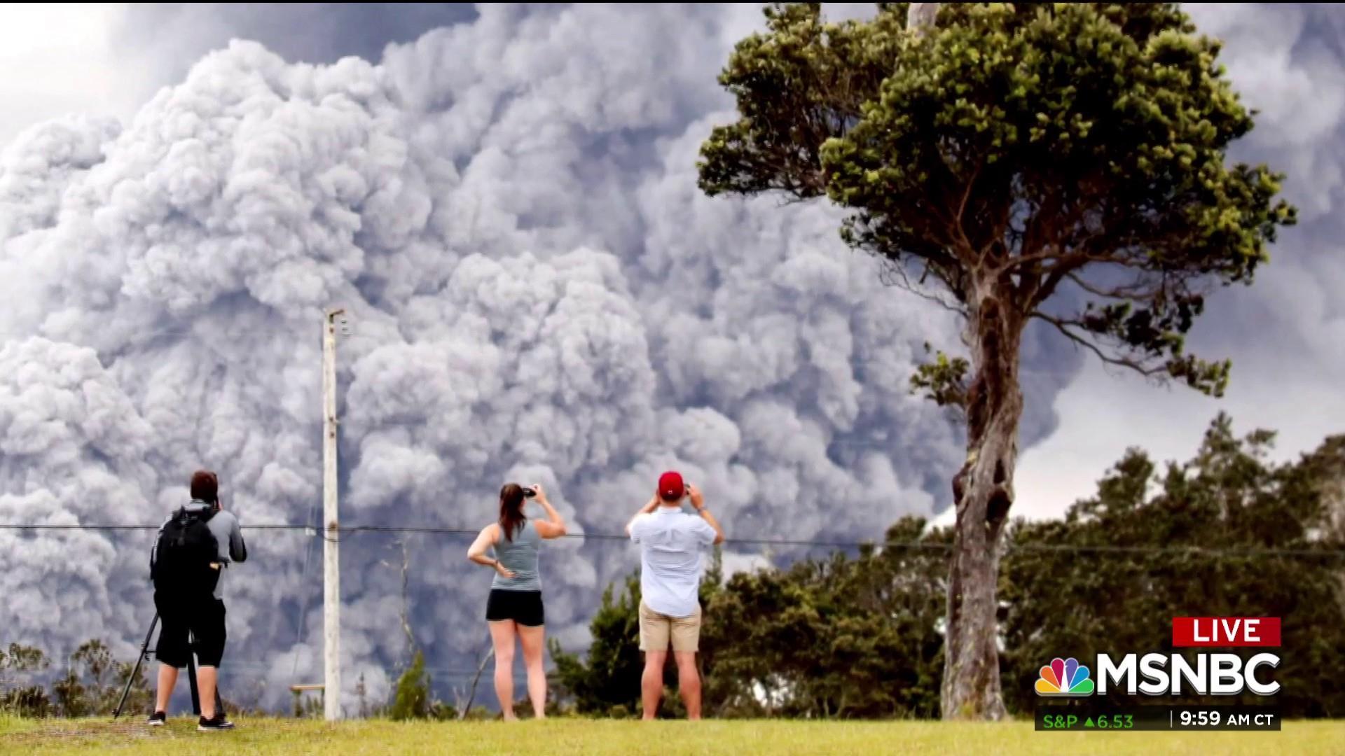 #BIGPICTURE: Ash erupts near the Kilauea Volcano in Hawaii