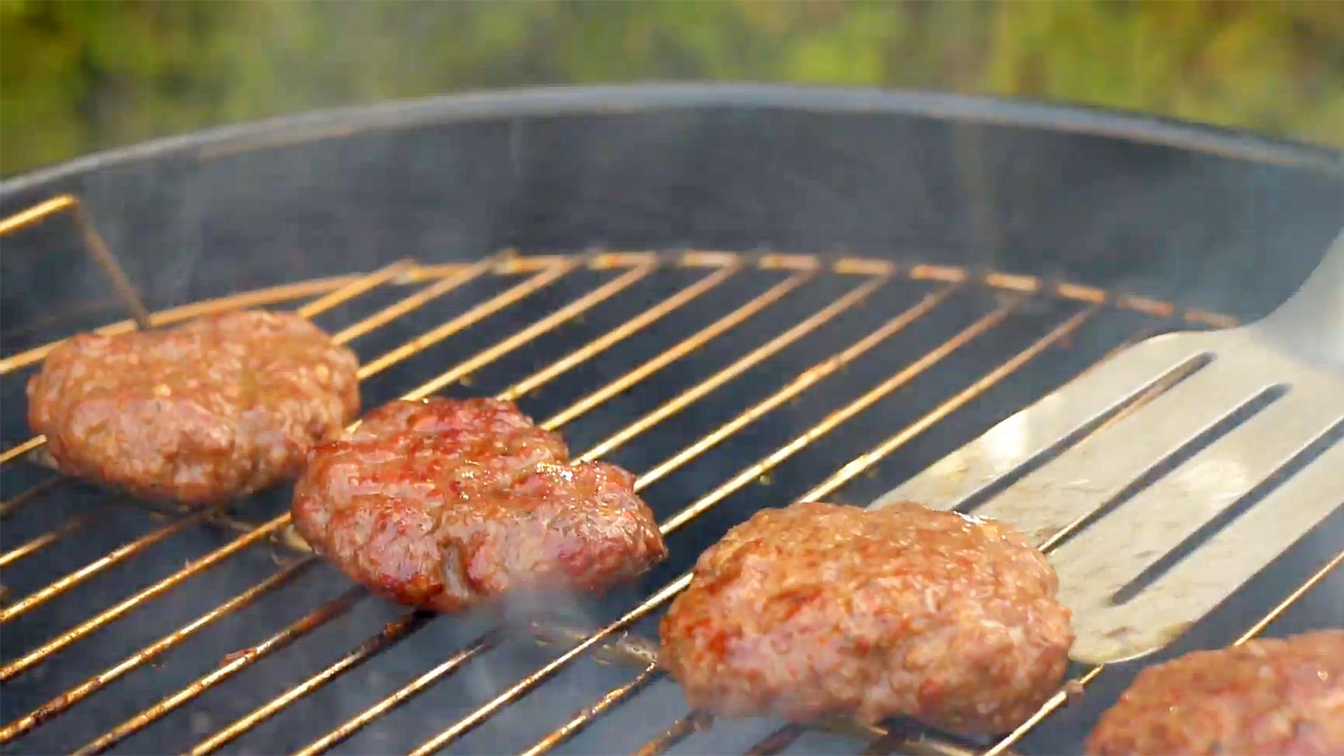 How To Use A Charcoal Grill When To Open Vents How Long To Let Coals Burn