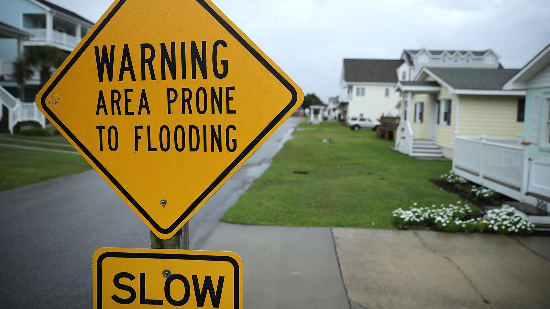 Hurricane Lane brings torrential rains to Hawaii's Big Island