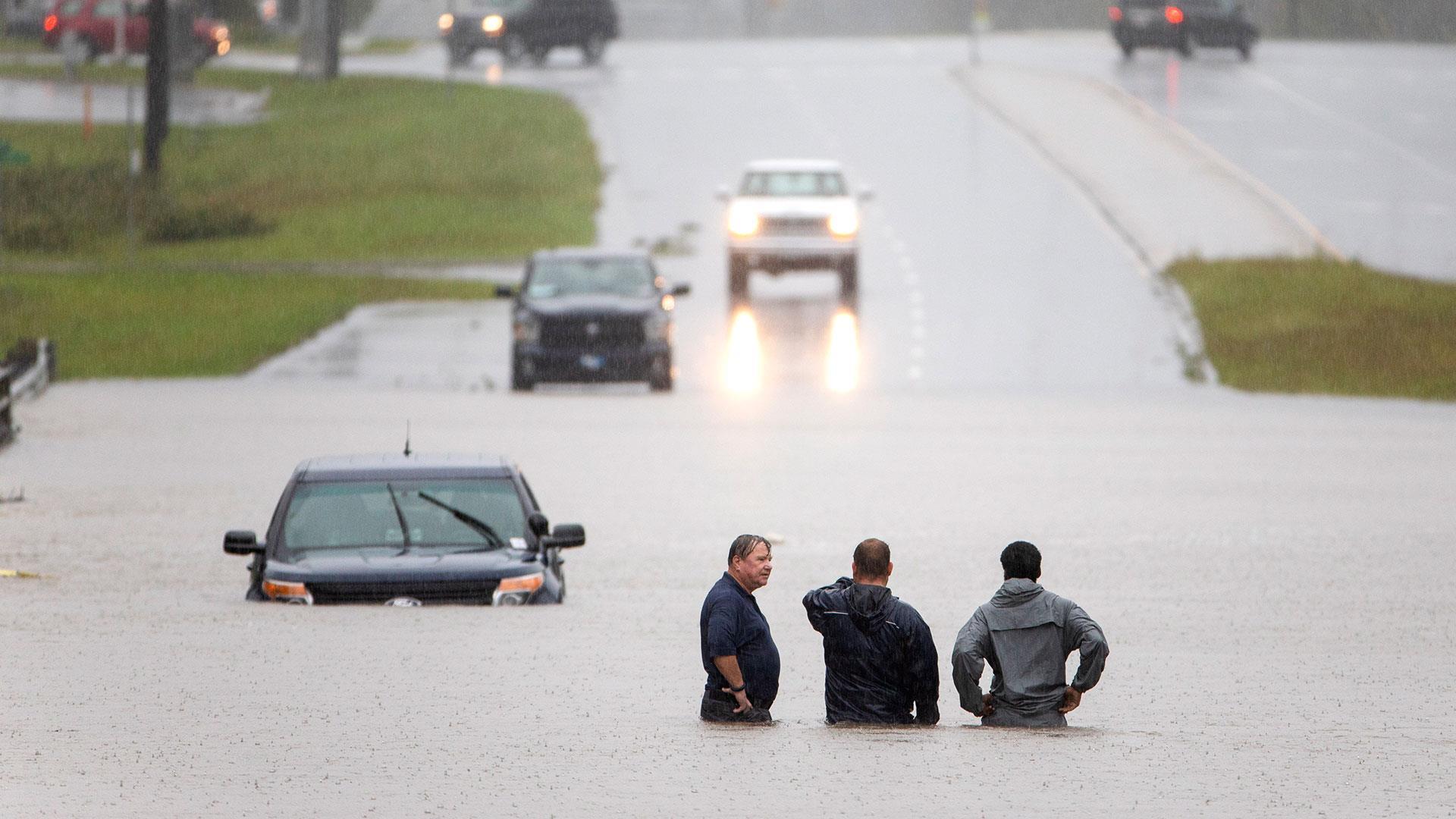 At least nine people killed as Florence swamps Carolinas