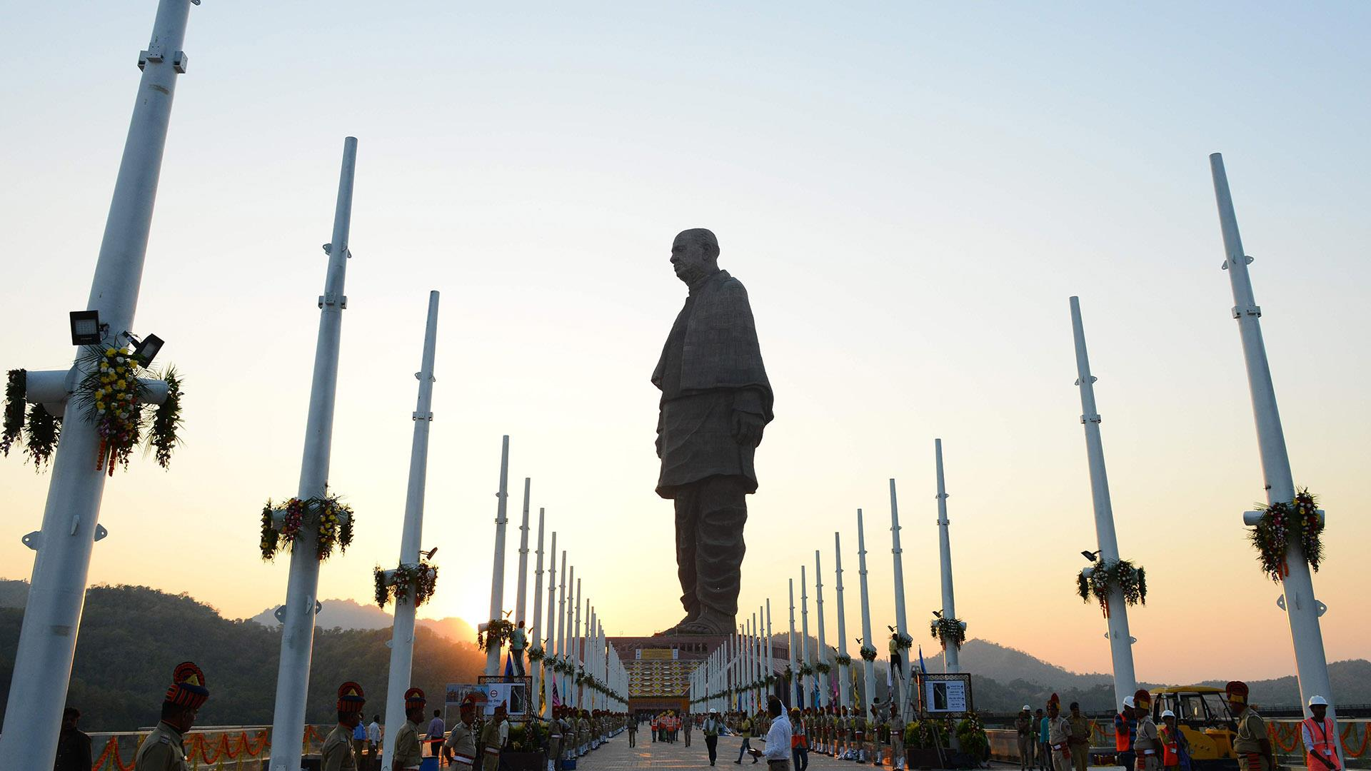 India unveils world's tallest statue, twice the size of the Statue of Liberty
