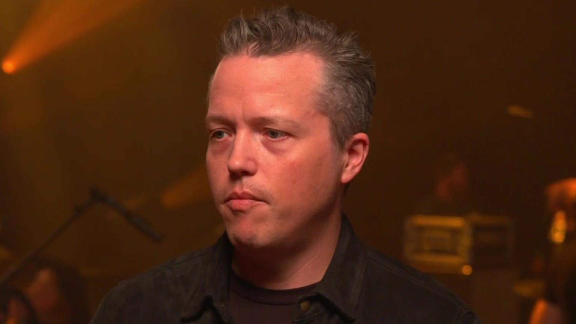 Singer Jason Isbell explains backing Dems in 2018