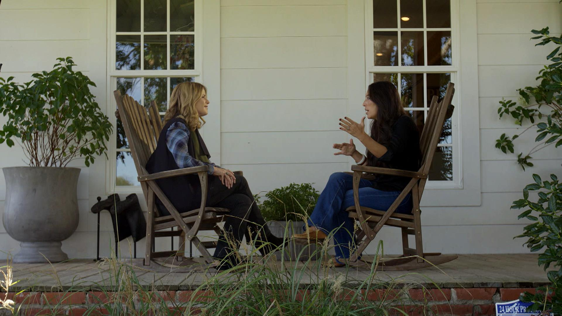 Joanna Gaines Gives A Look Inside Her Family S Farmhouse,Disney Christmas Outdoor Decorations