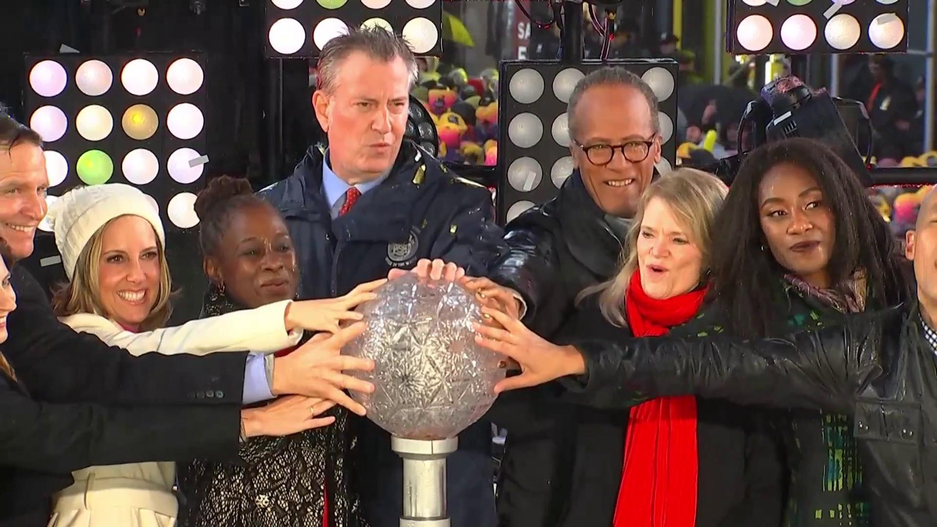 Lester Holt Takes Part In Times Square New Years Eve Celebration