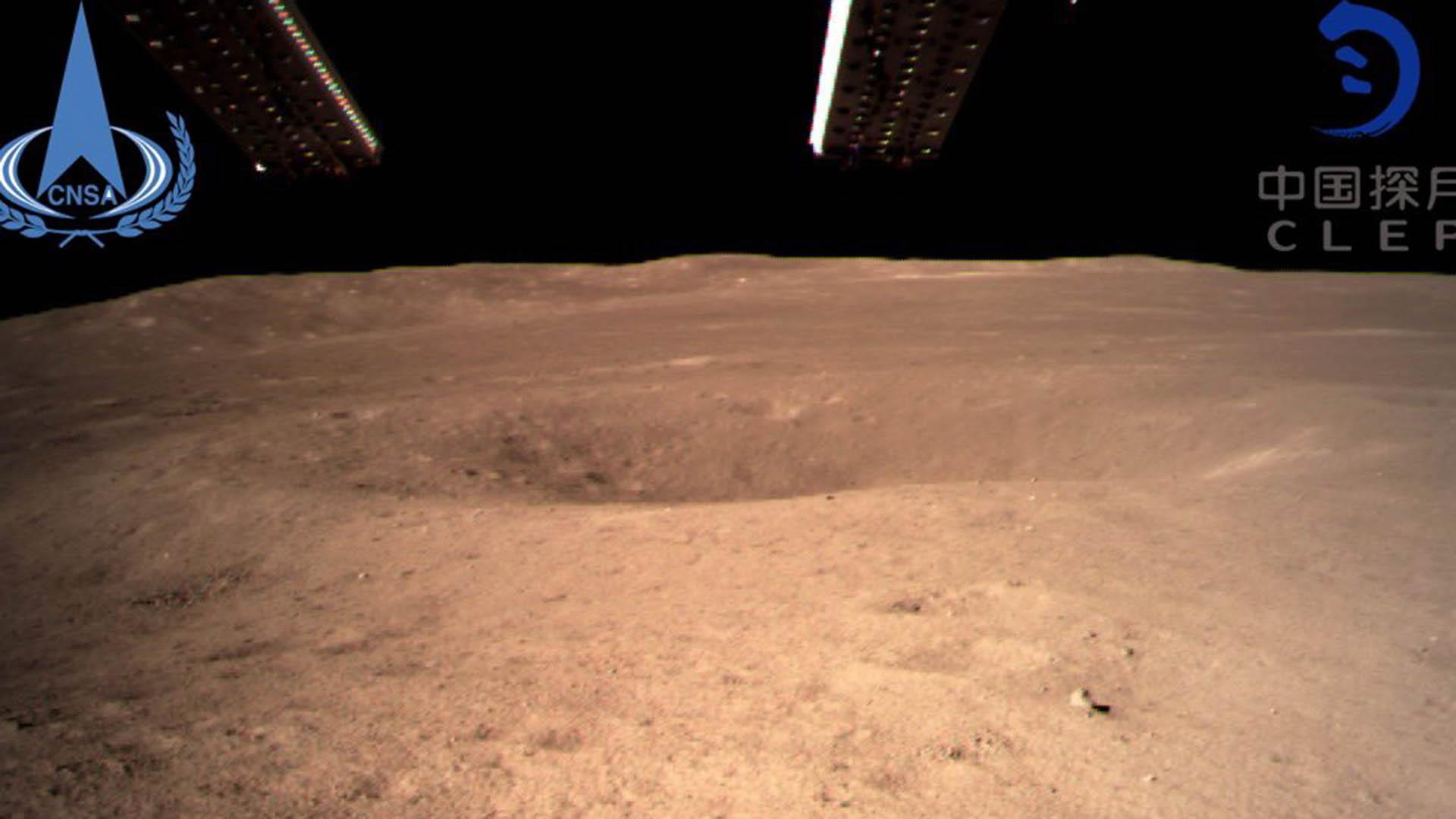 China pousa sonda na superfície distante da lua e coleta solo lunar