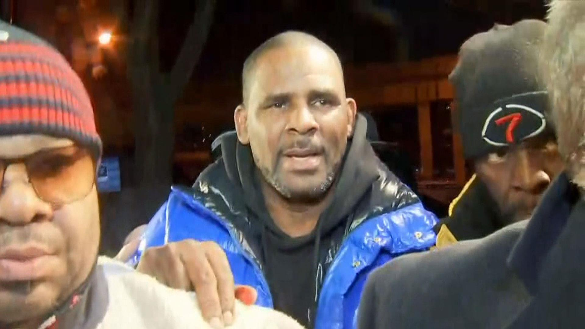 Watch: R. Kelly surrenders to authorities on charges of sexually abusing minors