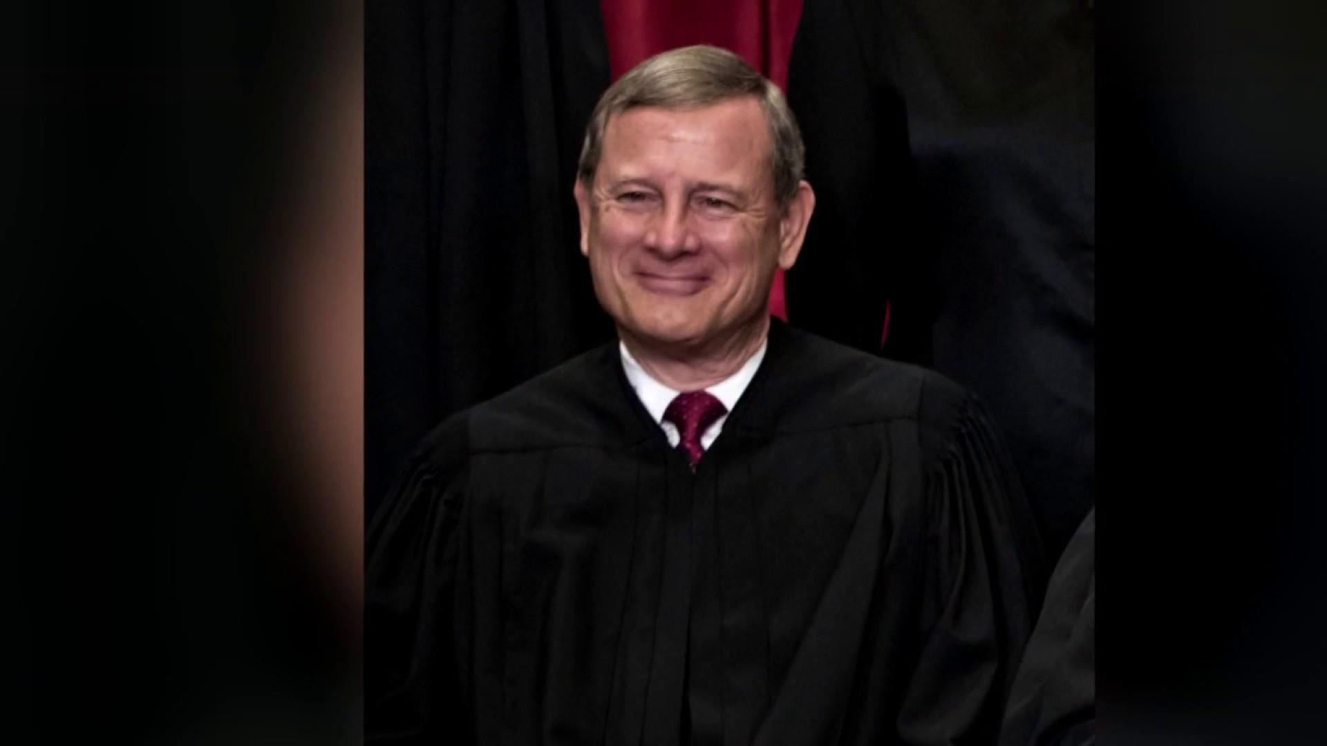Justice Roberts shows he's closest thing to swing vote