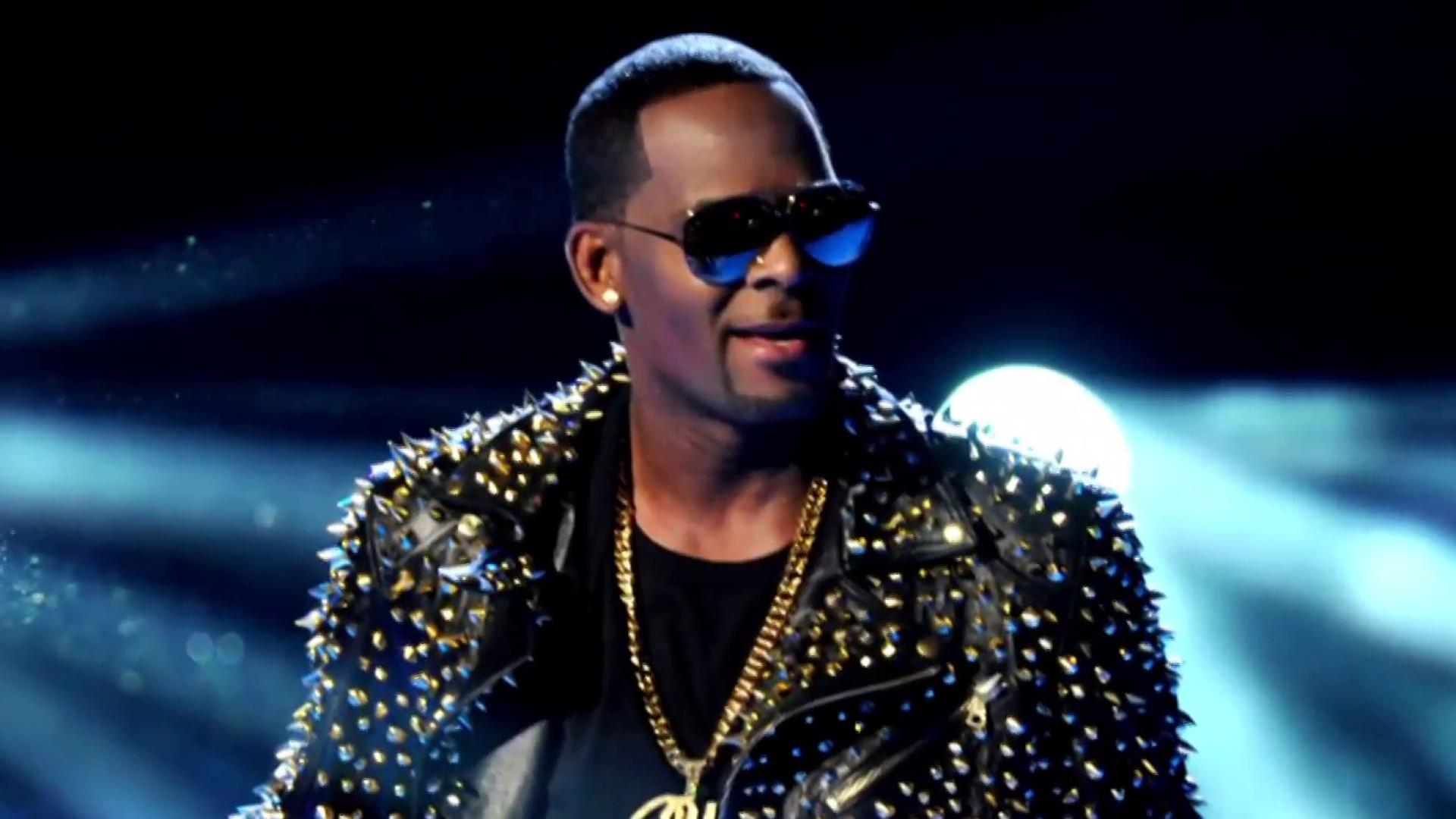 R. Kelly bond set at $1 million as singer appears in court on sexual abuse charges