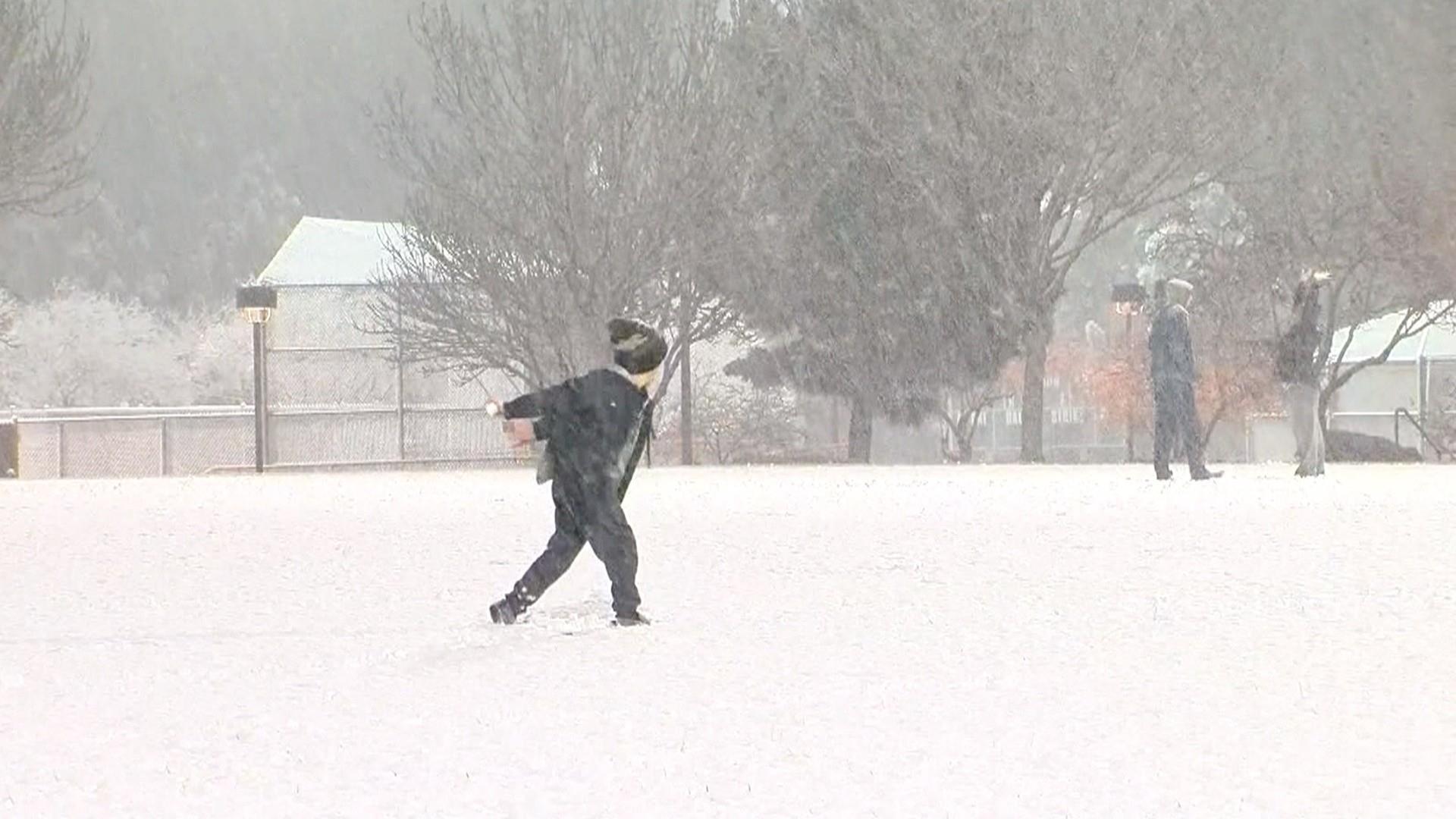 A winter wonderland in Las Vegas? Snow closes schools