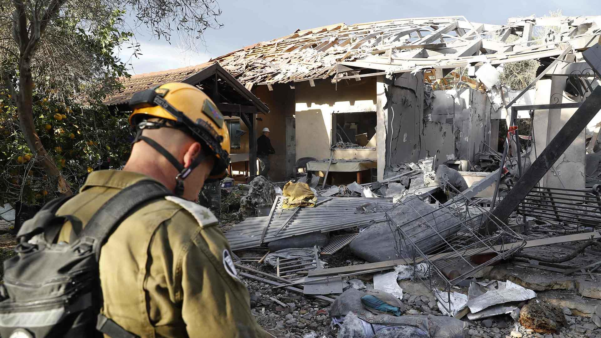 Israel military mobilizes troops after Gaza rocket wounds 7