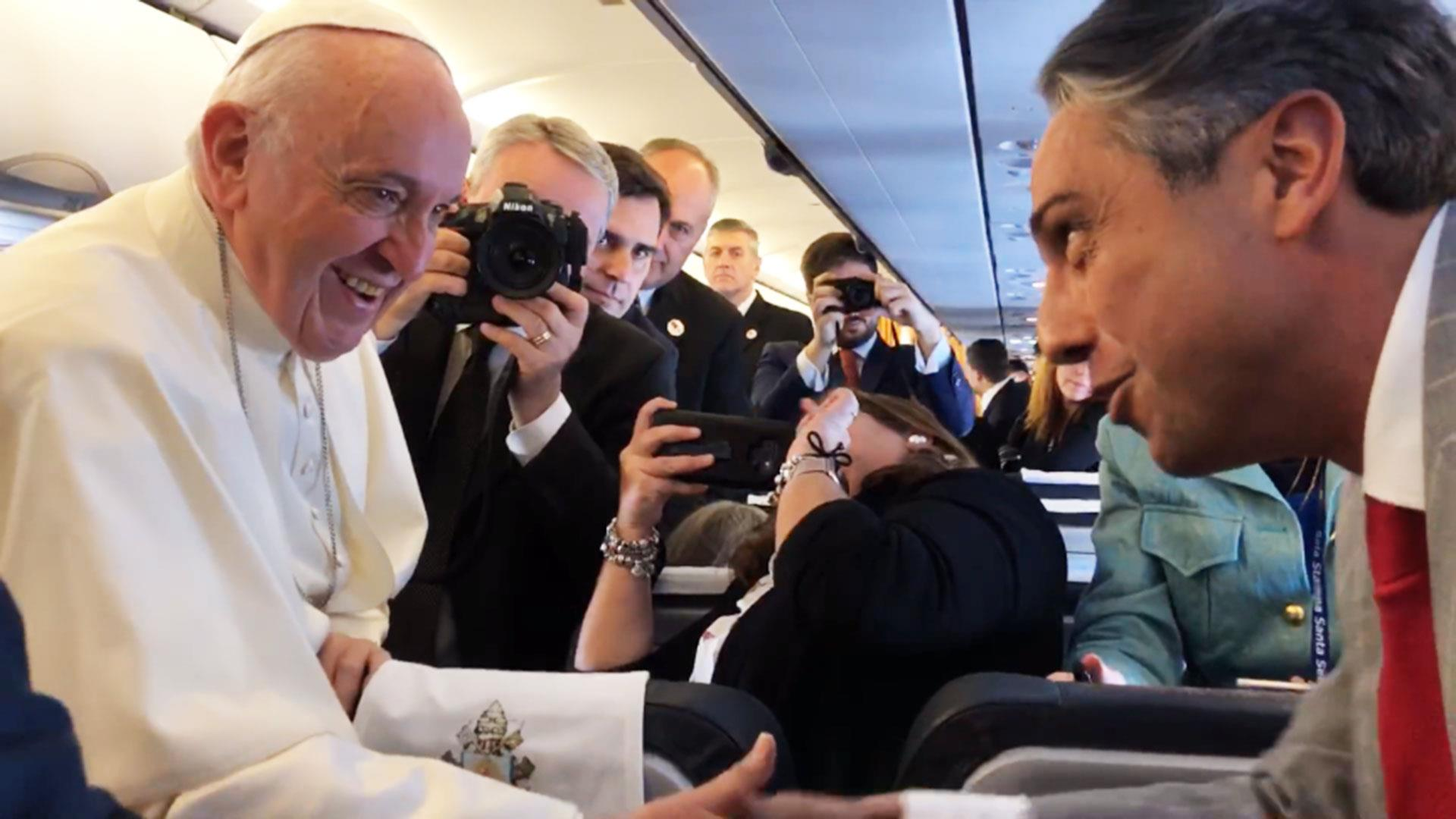 Pope explains reluctant ring kiss: fear of spreading germs