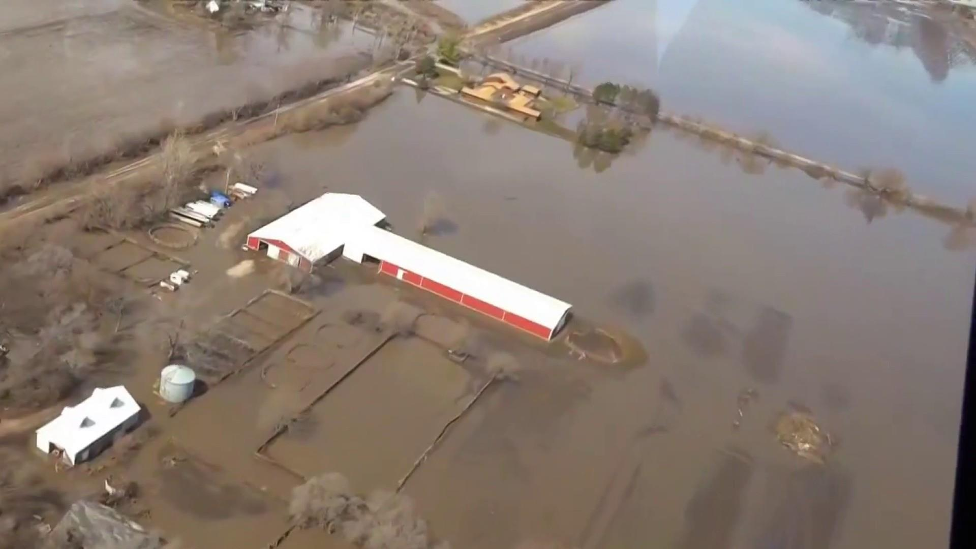 Flood emergency devastates Midwestern farms