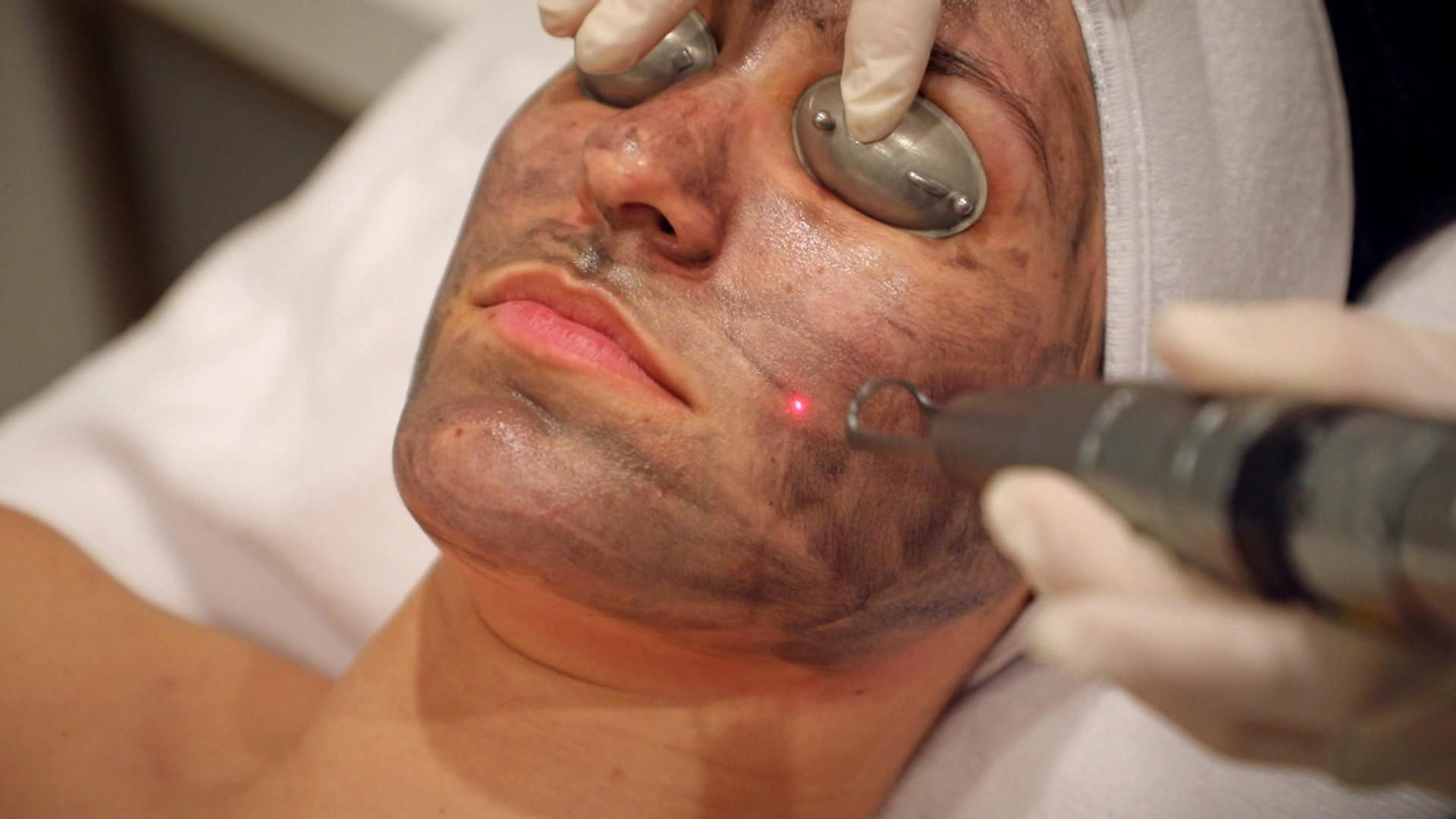 Are Laser And Led Light Therapy Treatments Good For Your Skin
