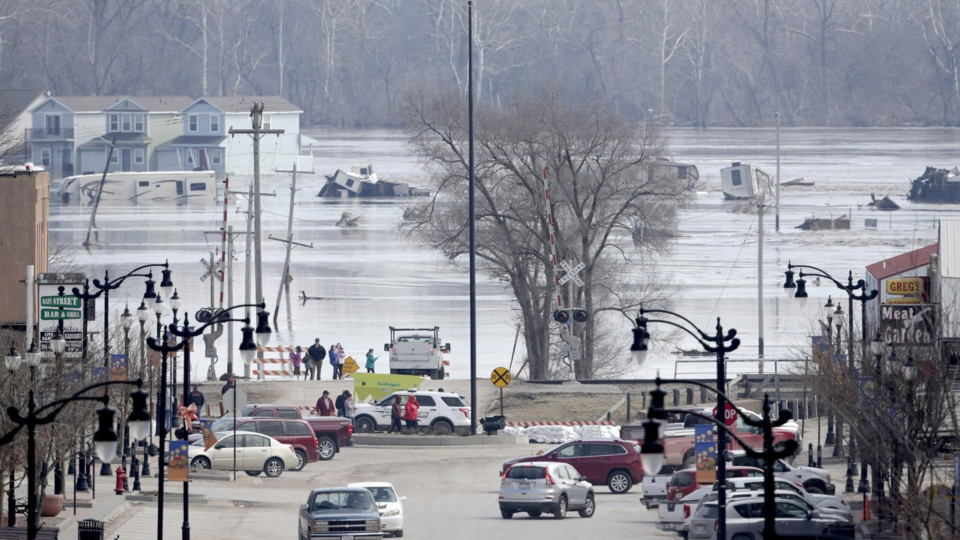 More than 10 million people remain under flood warnings as Midwest braces for more rain