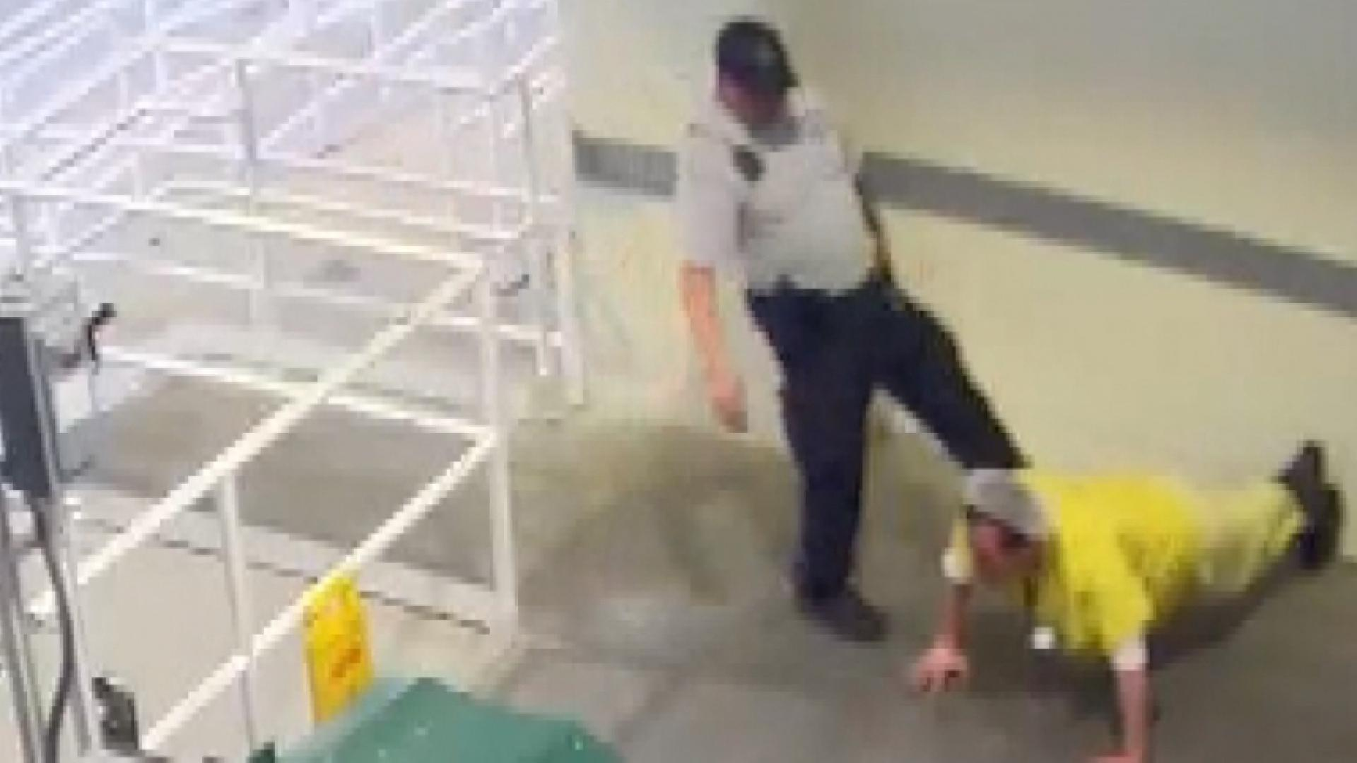 Florida deputy fired, charged with battery for kicking inmate