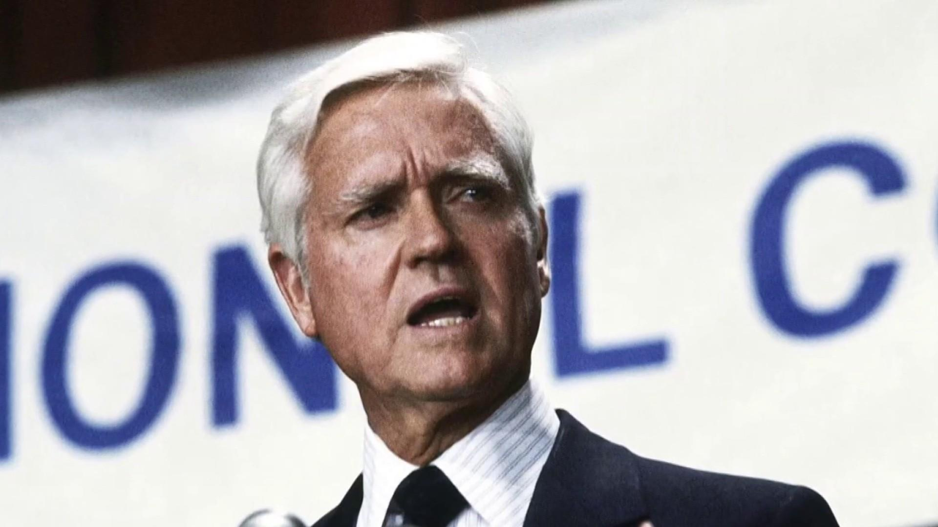 Ex-South Carolina Senator Hollings dies at age 97