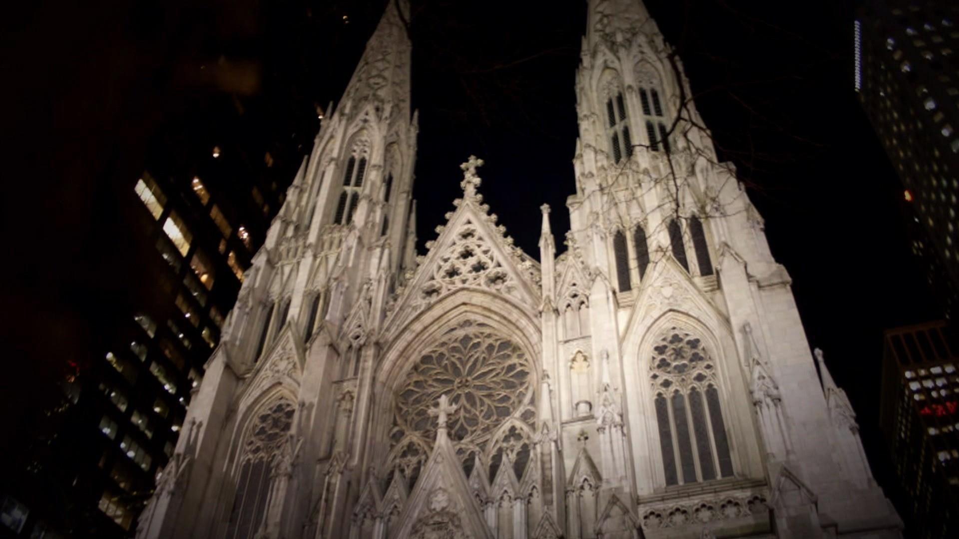 Man with gas cans arrested at St. Patrick's Cathedral in New York