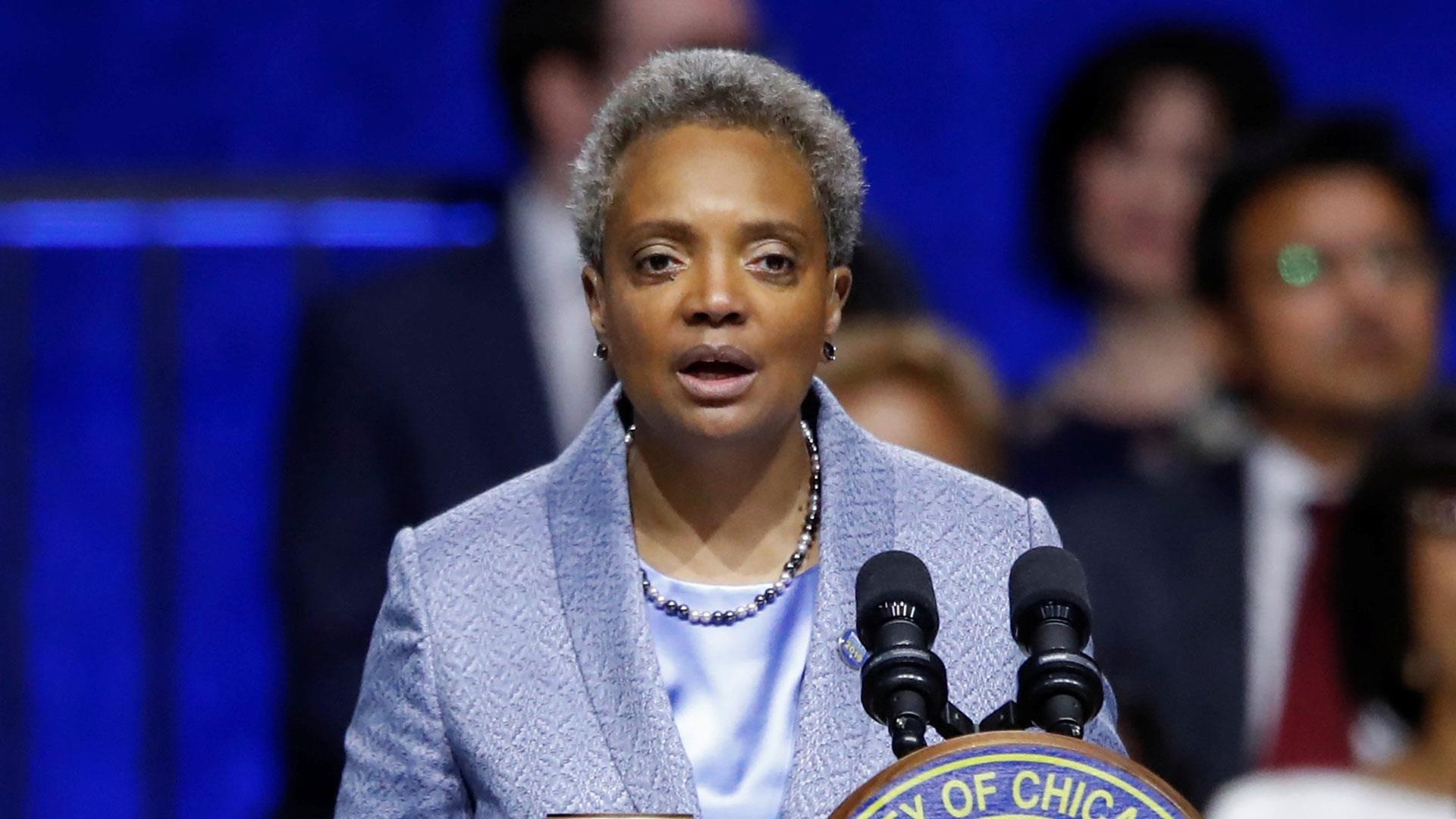 Lori Lightfoot sworn in as Chicago's first LGBTQ, black woman mayor