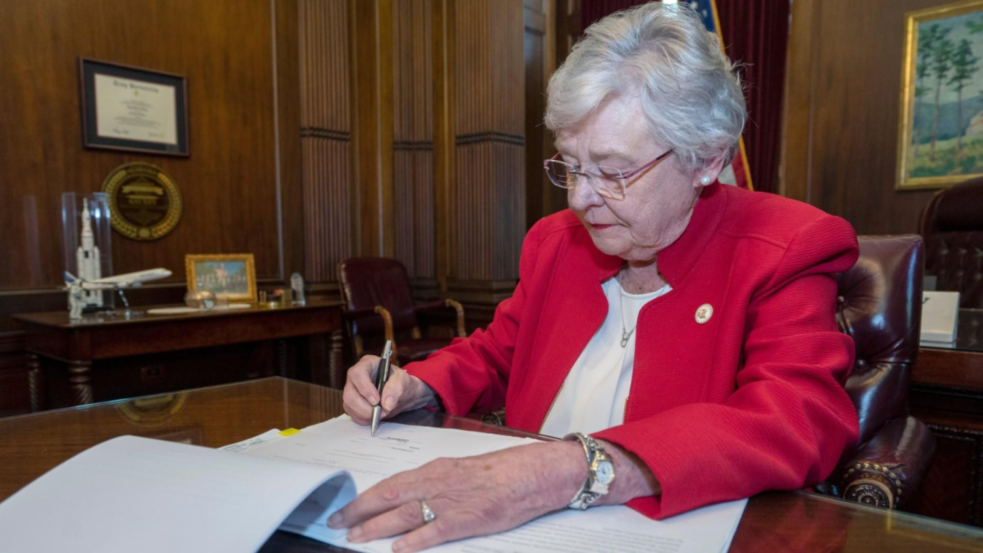 EMILY's List president reacts to Alabama's near-total abortion ban